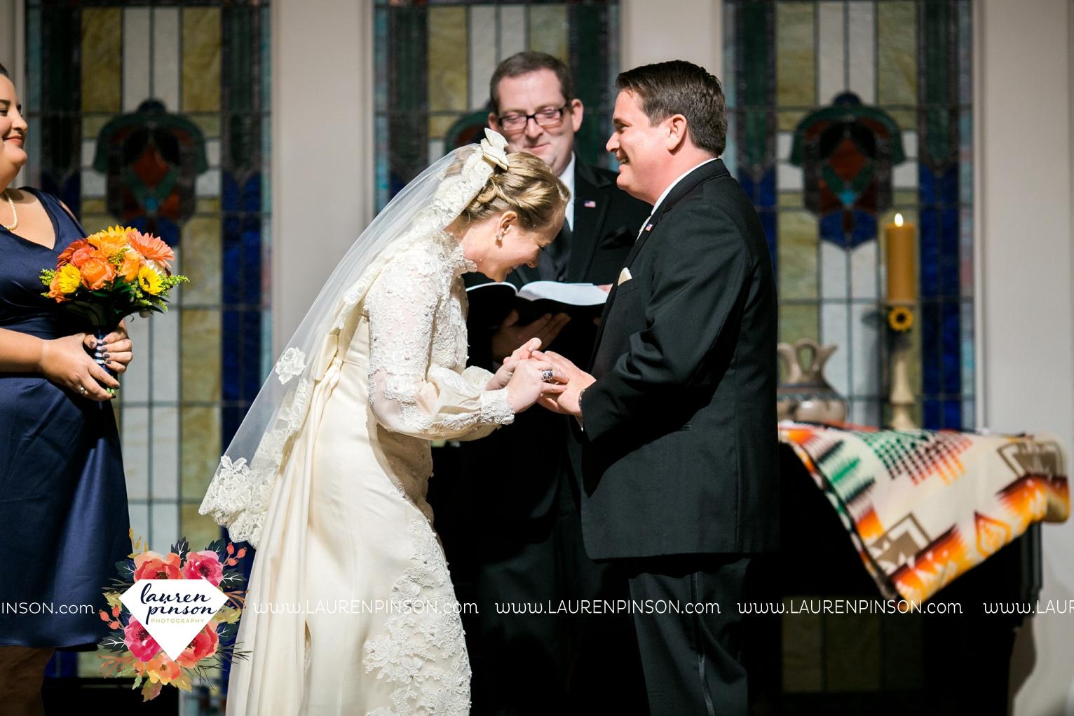 bells-texas-wedding-photography-at-willowood-ranch-chapel-north-texas-wichita-falls-wedding-photographer_1871.jpg