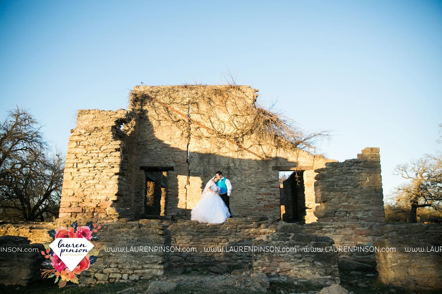 durant-oklahoma-methodist-church-fort-washita-wedding-photographer-00016.jpg