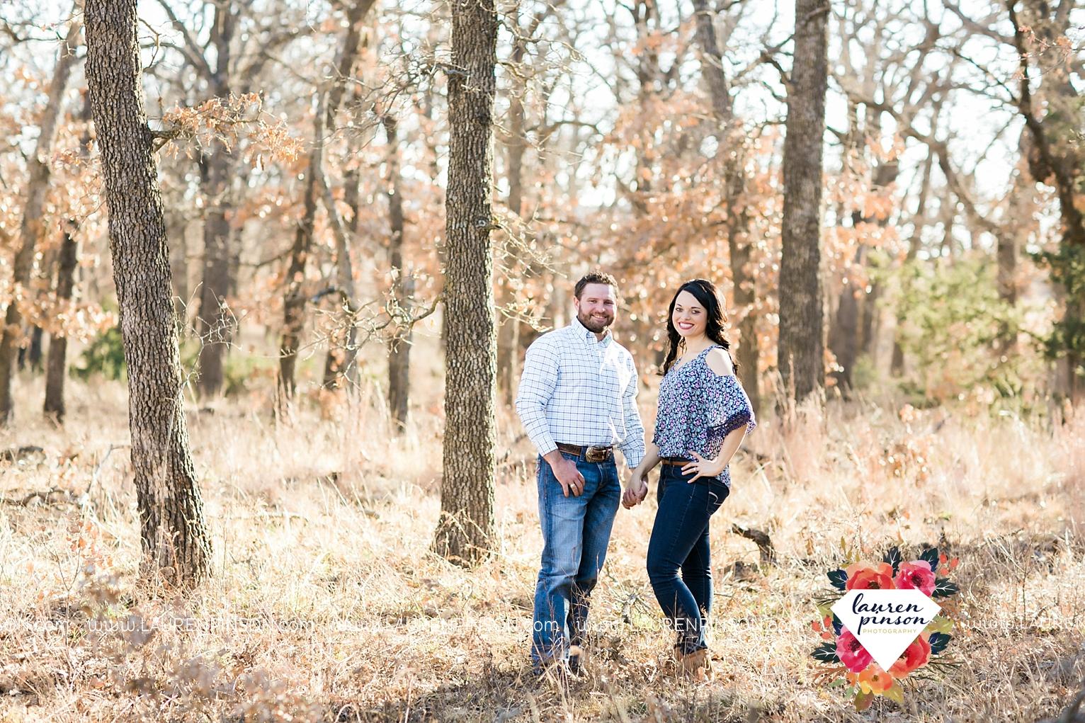 wichita-falls-texas-engagement-photographer-wedding-oklahoma-lawton-wichita-mountains-refuge-outdoors-mountains-engaged_2042.jpg
