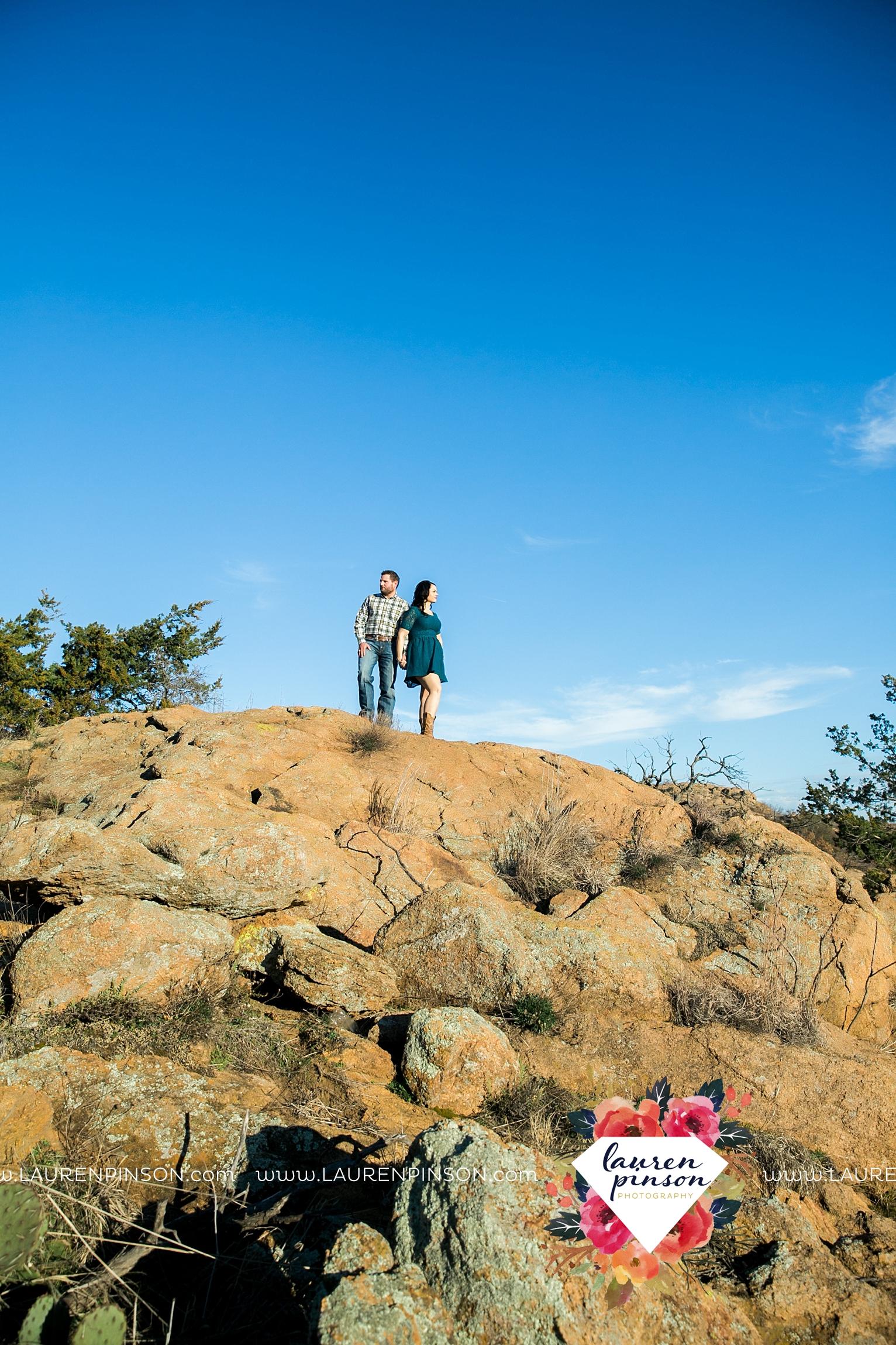 wichita-falls-texas-engagement-photographer-wedding-oklahoma-lawton-wichita-mountains-refuge-outdoors-mountains-engaged_2053.jpg