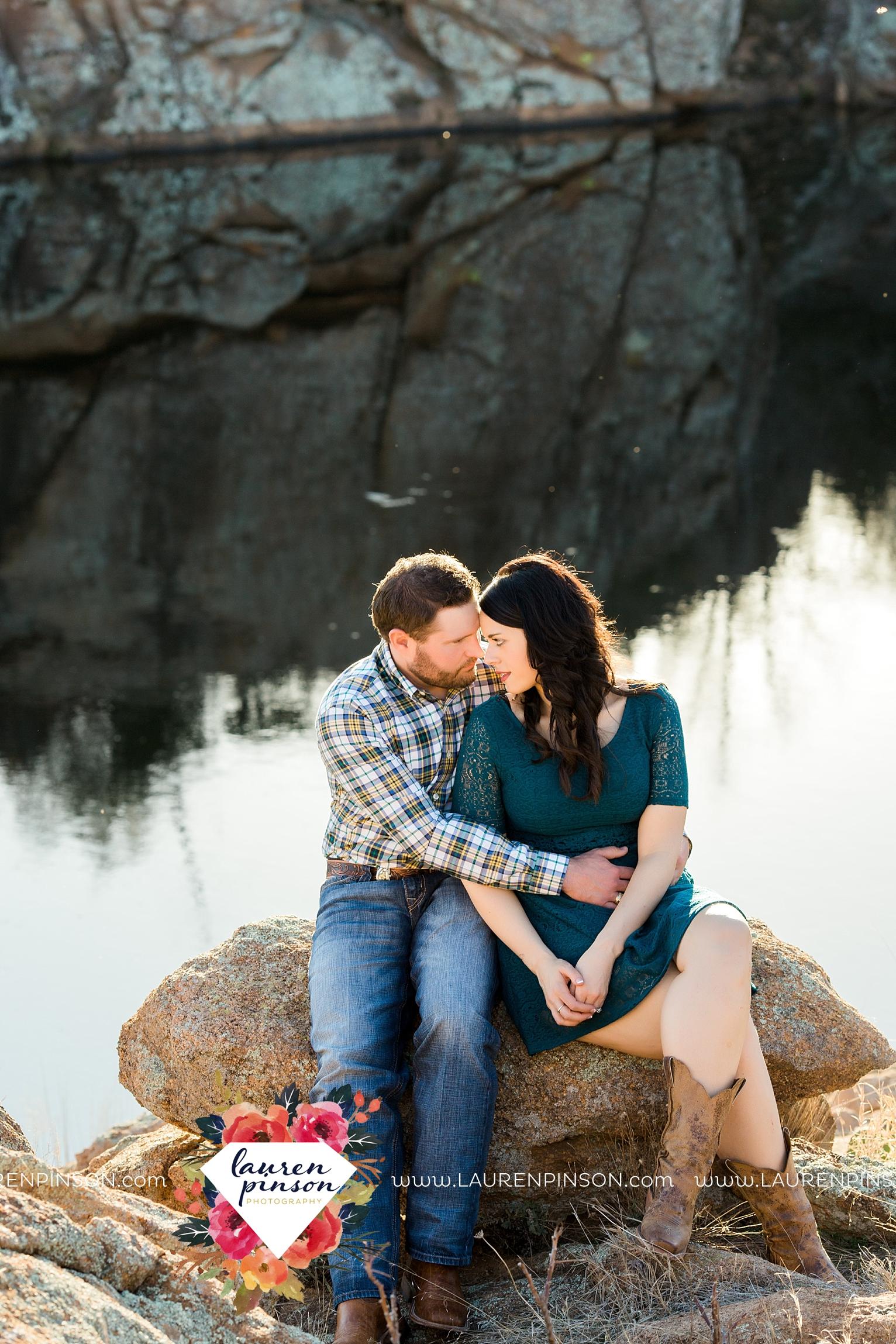 wichita-falls-texas-engagement-photographer-wedding-oklahoma-lawton-wichita-mountains-refuge-outdoors-mountains-engaged_2056.jpg