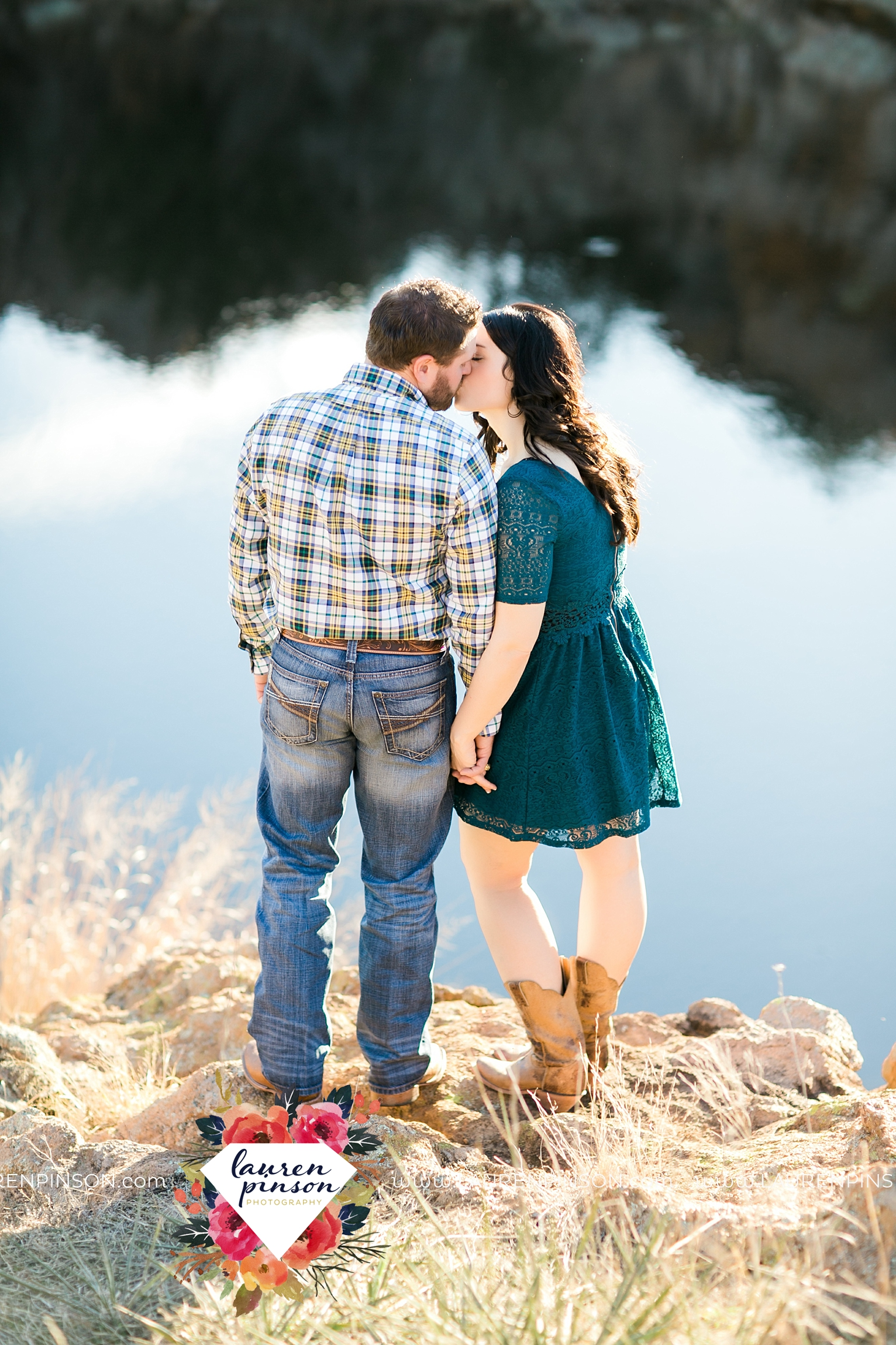wichita-falls-texas-engagement-photographer-wedding-oklahoma-lawton-wichita-mountains-refuge-outdoors-mountains-engaged_2055.jpg