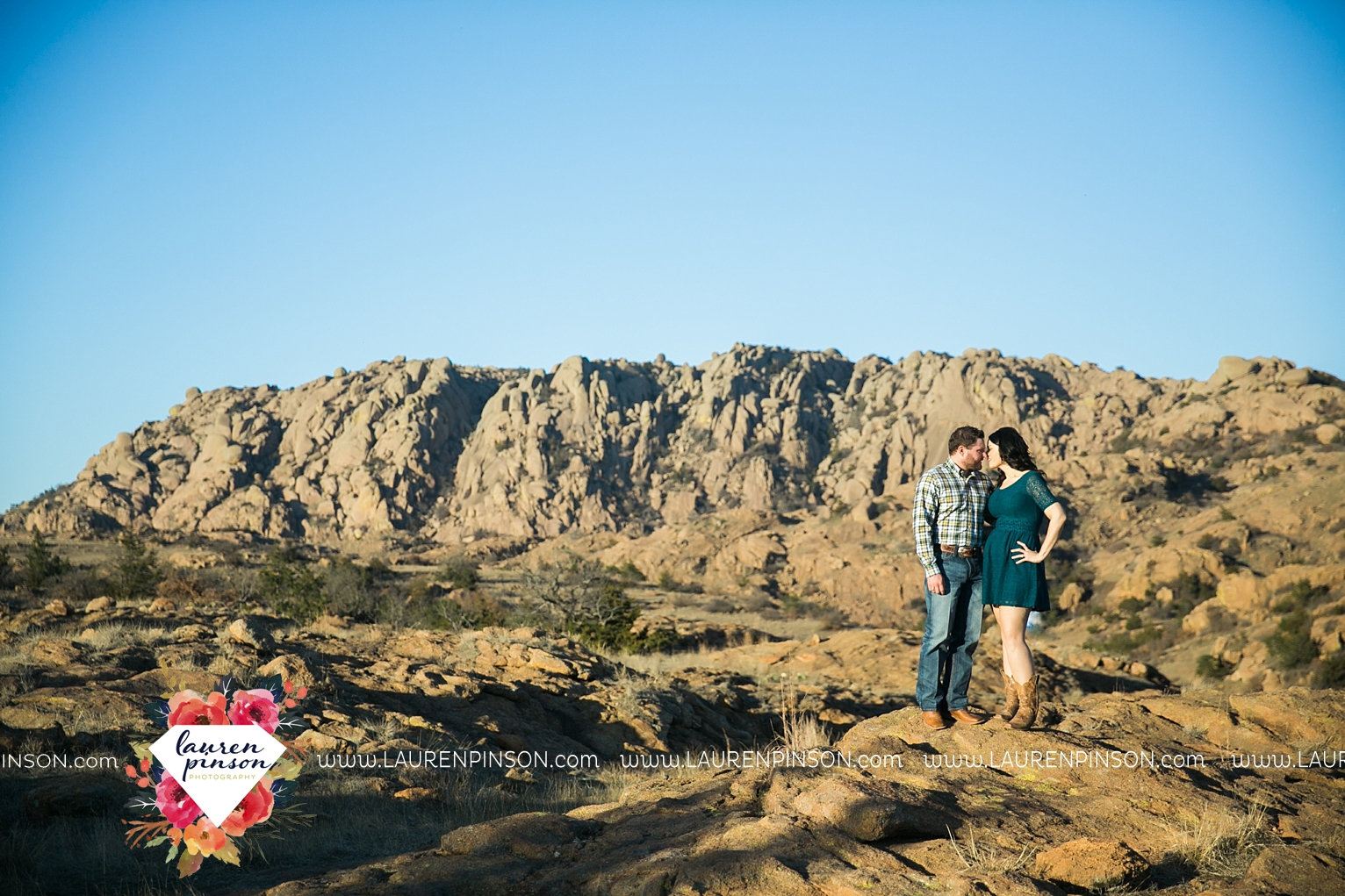 wichita-falls-texas-engagement-photographer-wedding-oklahoma-lawton-wichita-mountains-refuge-outdoors-mountains-engaged_2062.jpg