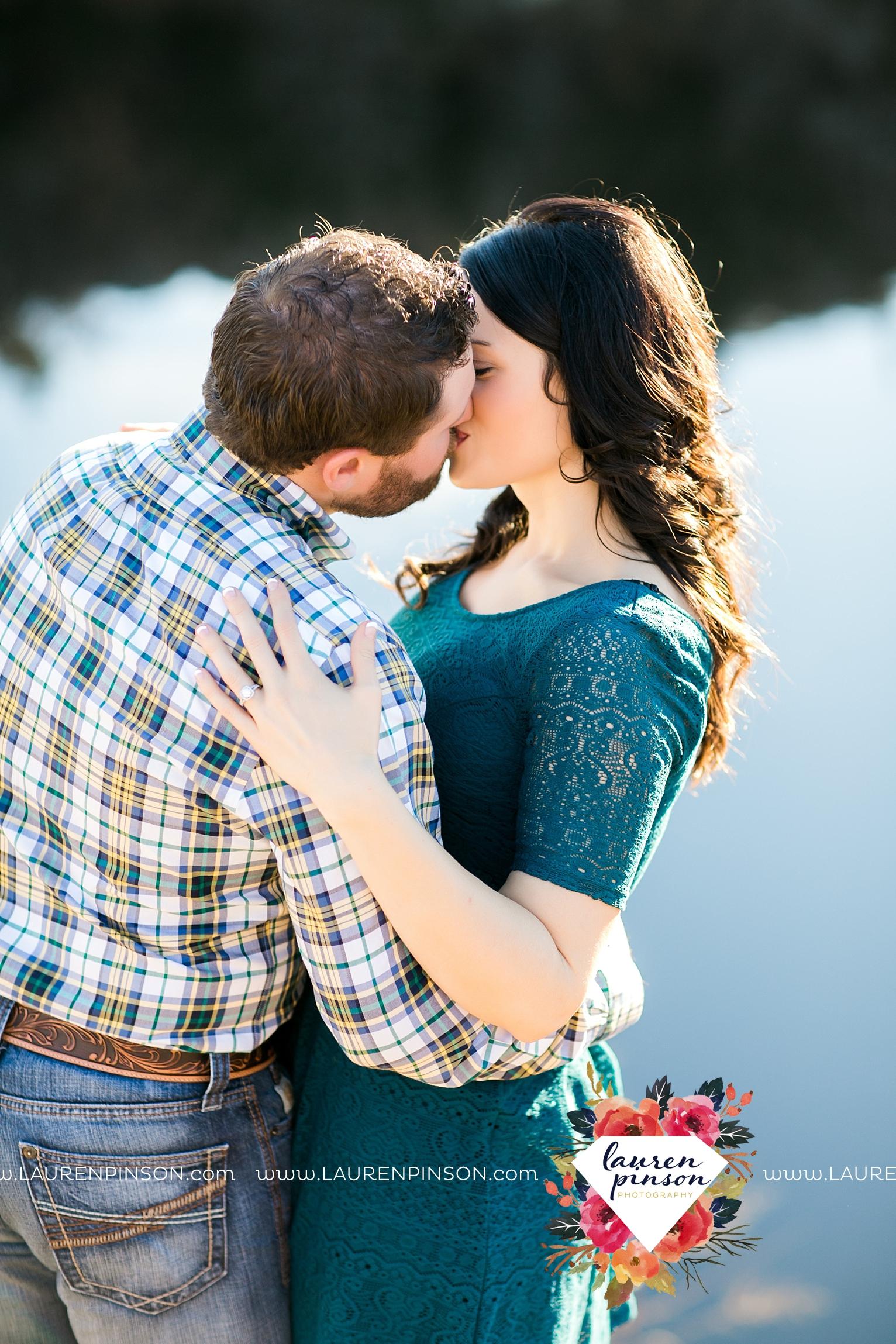 wichita-falls-texas-engagement-photographer-wedding-oklahoma-lawton-wichita-mountains-refuge-outdoors-mountains-engaged_2065.jpg