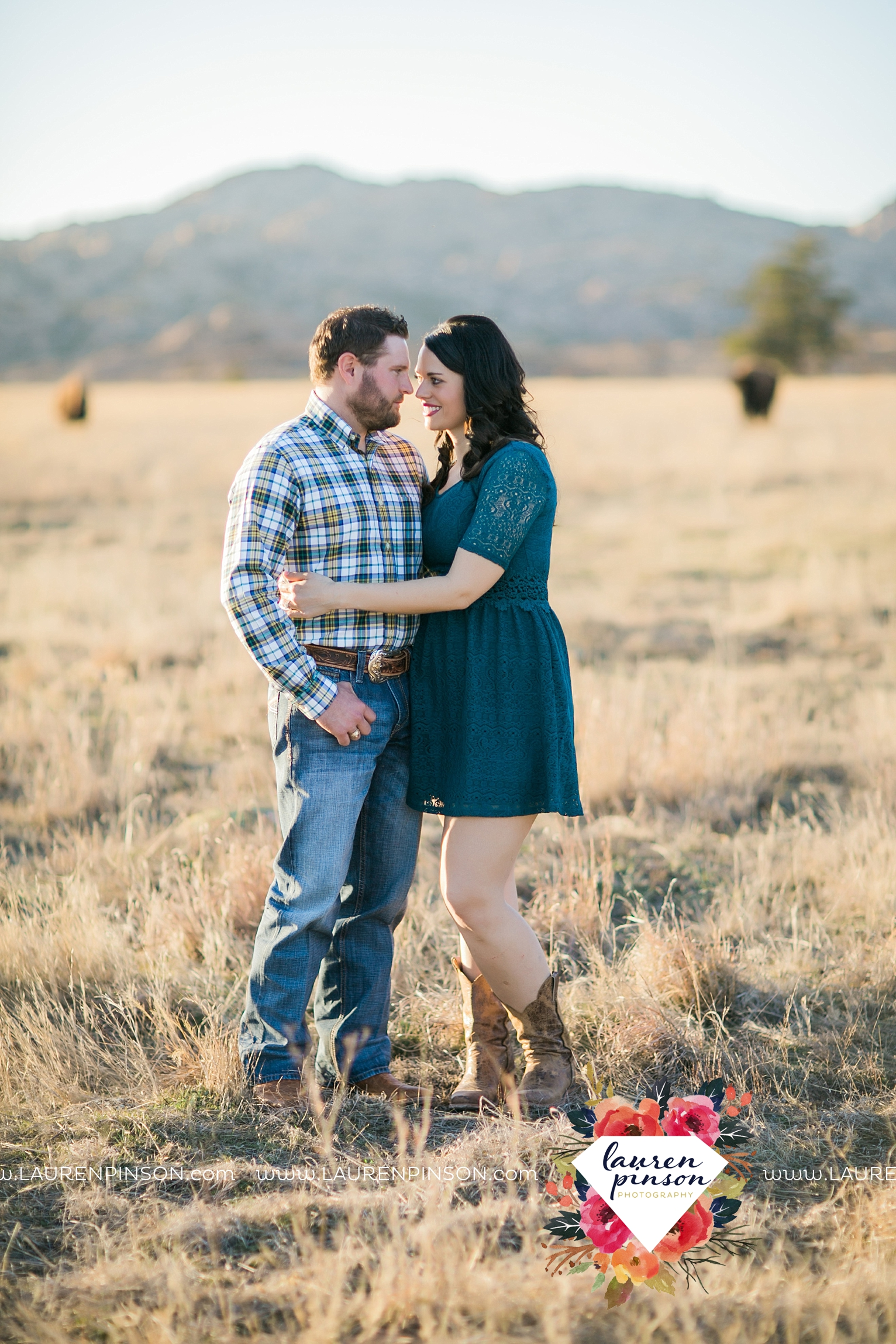 wichita-falls-texas-engagement-photographer-wedding-oklahoma-lawton-wichita-mountains-refuge-outdoors-mountains-engaged_2066.jpg