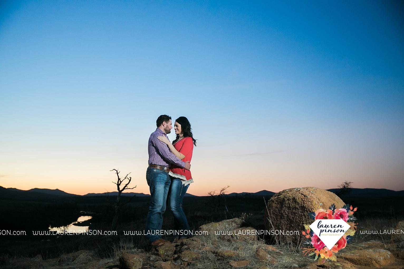 wichita-falls-texas-engagement-photographer-wedding-oklahoma-lawton-wichita-mountains-refuge-outdoors-mountains-engaged_2071.jpg