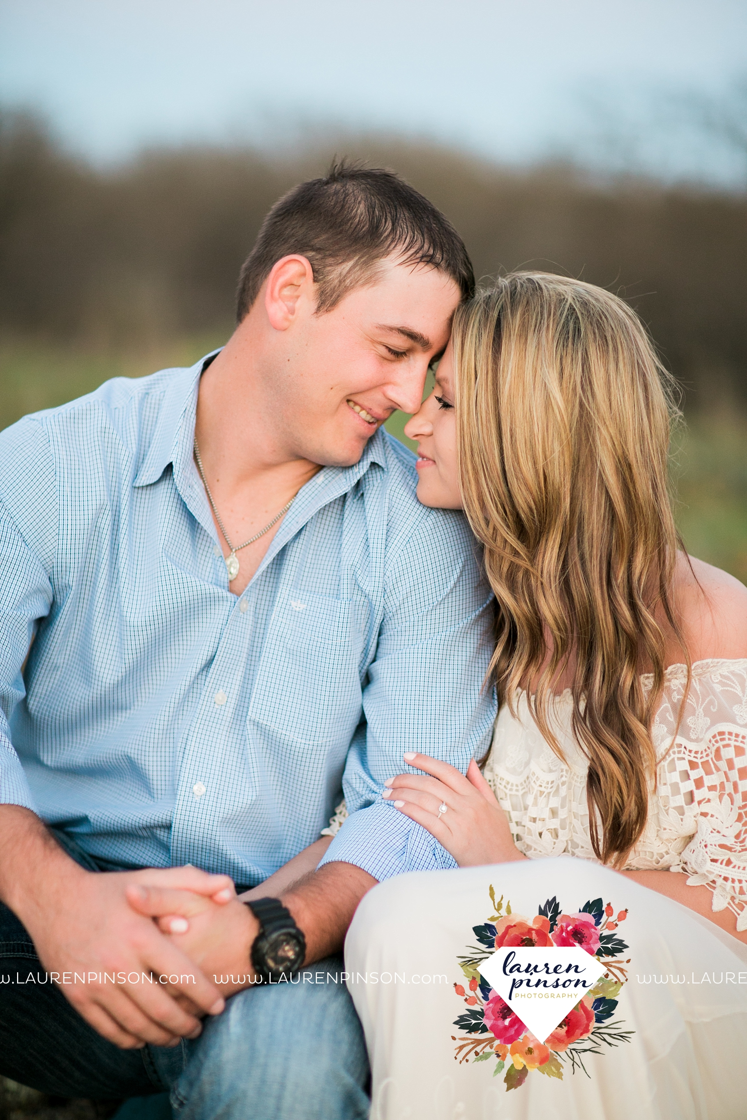 Wichita-falls-texas-country-outdoor-wheat-field-windthorst-engagement-session-and-wedding-photographer-00003.jpg