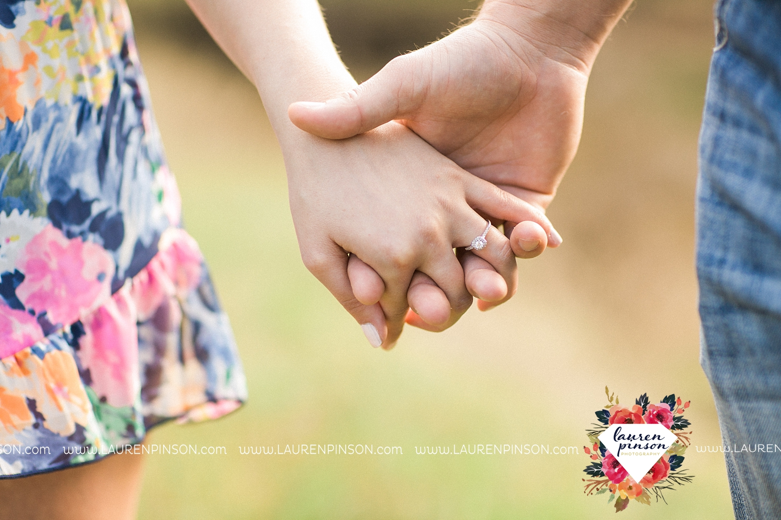 Wichita-falls-texas-country-outdoor-wheat-field-windthorst-engagement-session-and-wedding-photographer-00025.jpg