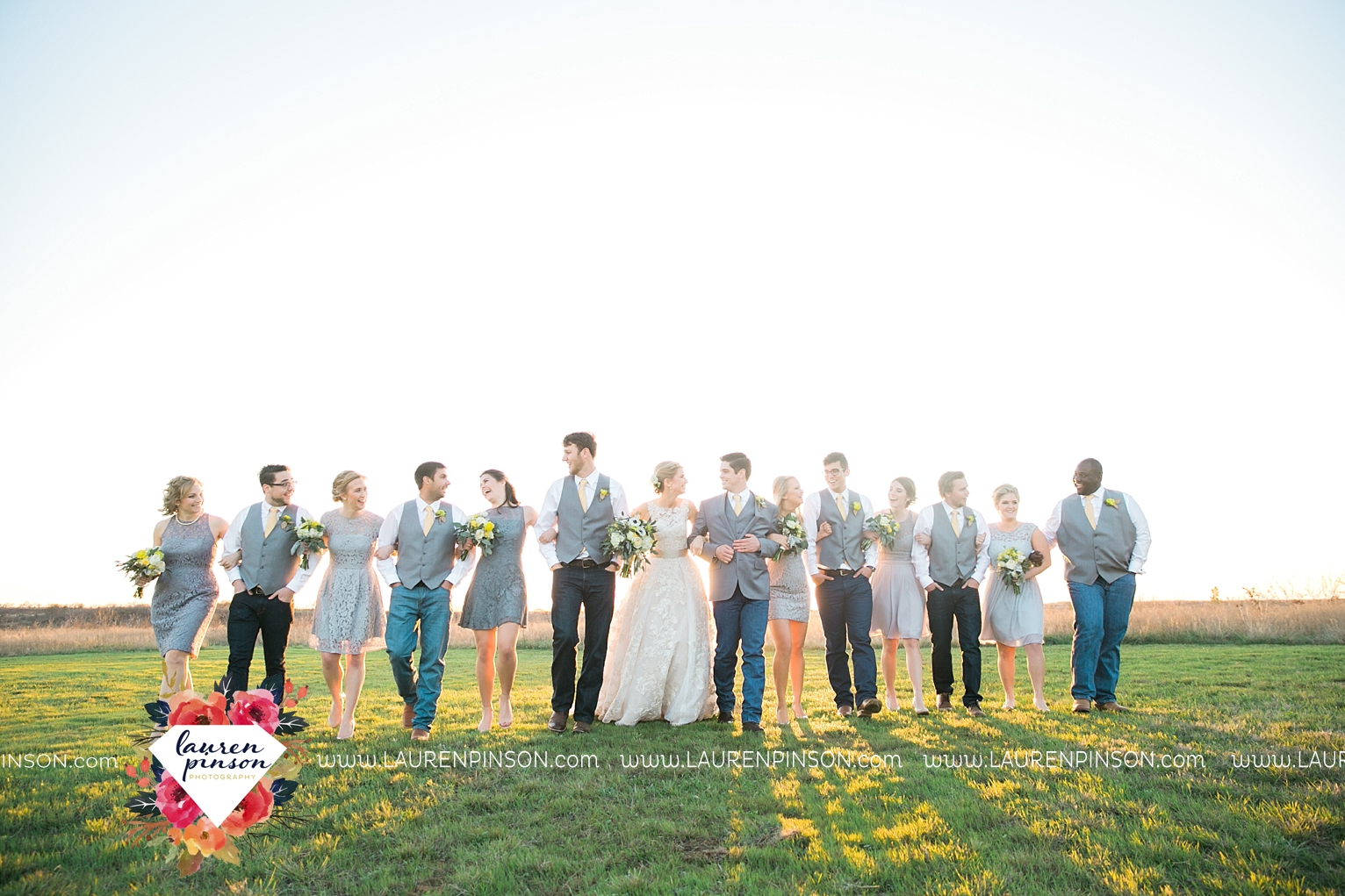 wichita-falls-texas-wedding-photographer-bowie-nocona-henrietta-country-barn-wedding_2189.jpg