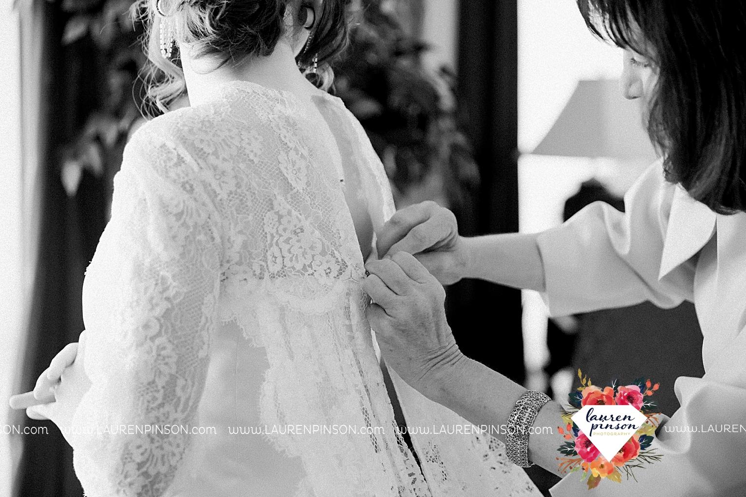 wichita-falls-texas-wedding-photographer-vintage-off-beat-bride-faith-village-church-of-christ-the-plex-roller-skating_2402.jpg