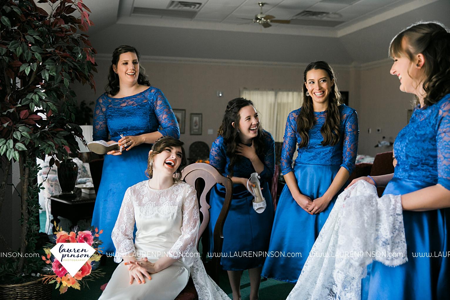 wichita-falls-texas-wedding-photographer-vintage-off-beat-bride-faith-village-church-of-christ-the-plex-roller-skating_2404.jpg