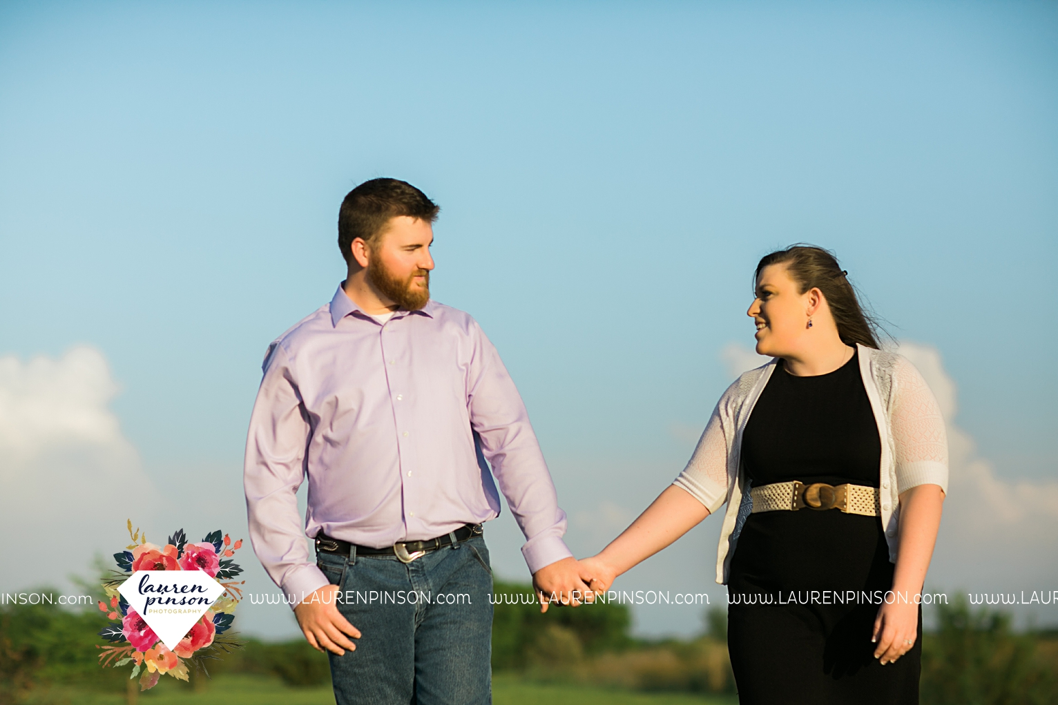 met-on-christian-mingle-texas-engagement-sesion-in-wichita-falls-00011.jpg