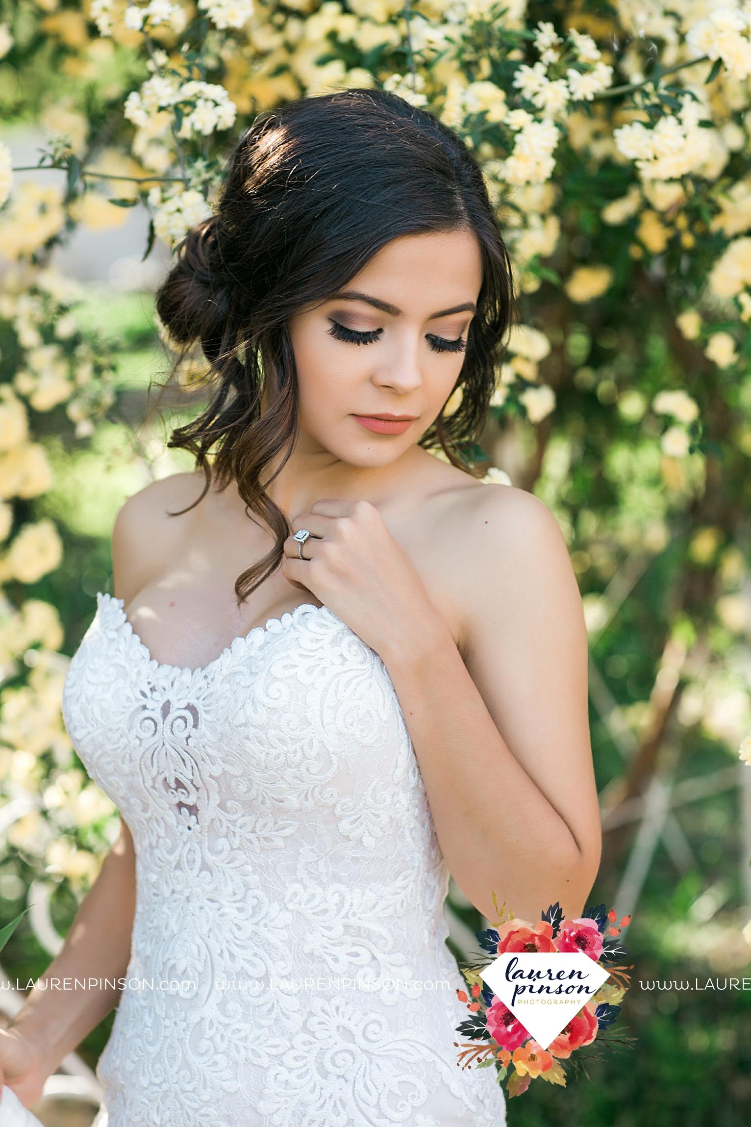 wichita-falls-texas-wedding-photographer-vintage-off-beat-bride-faith-village-church-of-christ-the-plex-roller-skating_2559.jpg