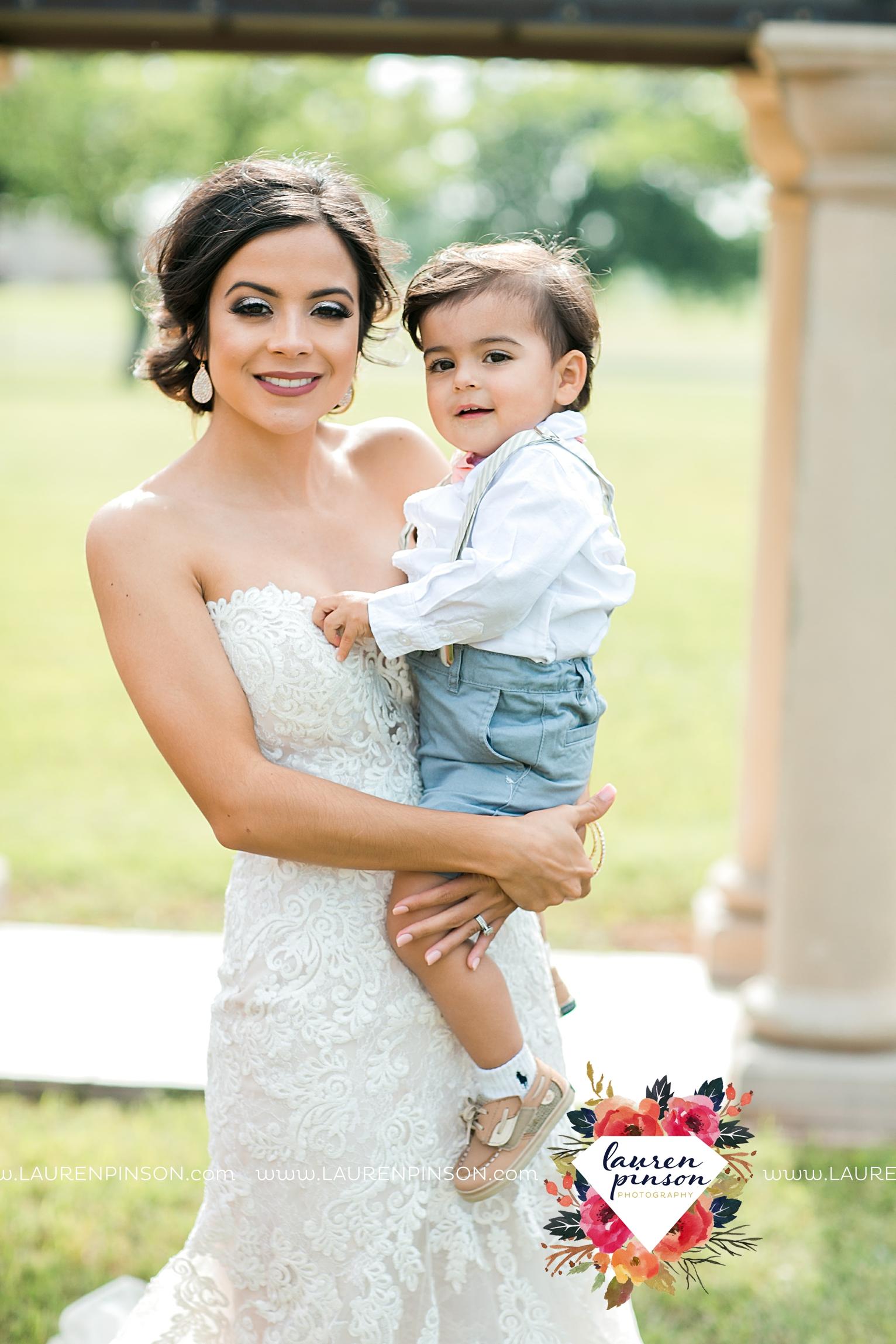 wichita-falls-wedding-nocona-comanche-rose-ranch-rustic-pink-gray-photography-00115.jpg