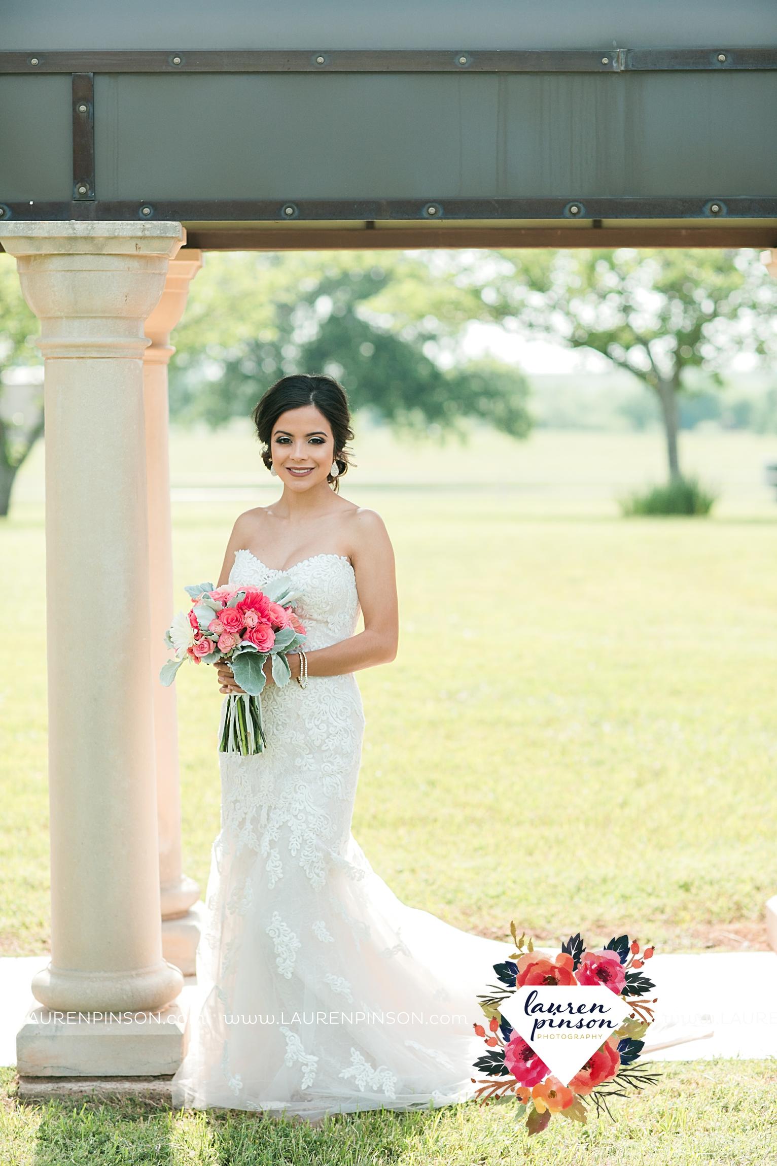 wichita-falls-wedding-nocona-comanche-rose-ranch-rustic-pink-gray-photography-00116.jpg
