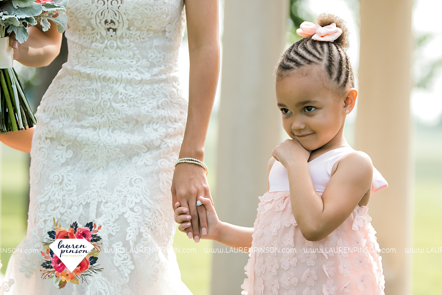wichita-falls-wedding-nocona-comanche-rose-ranch-rustic-pink-gray-photography-00118.jpg