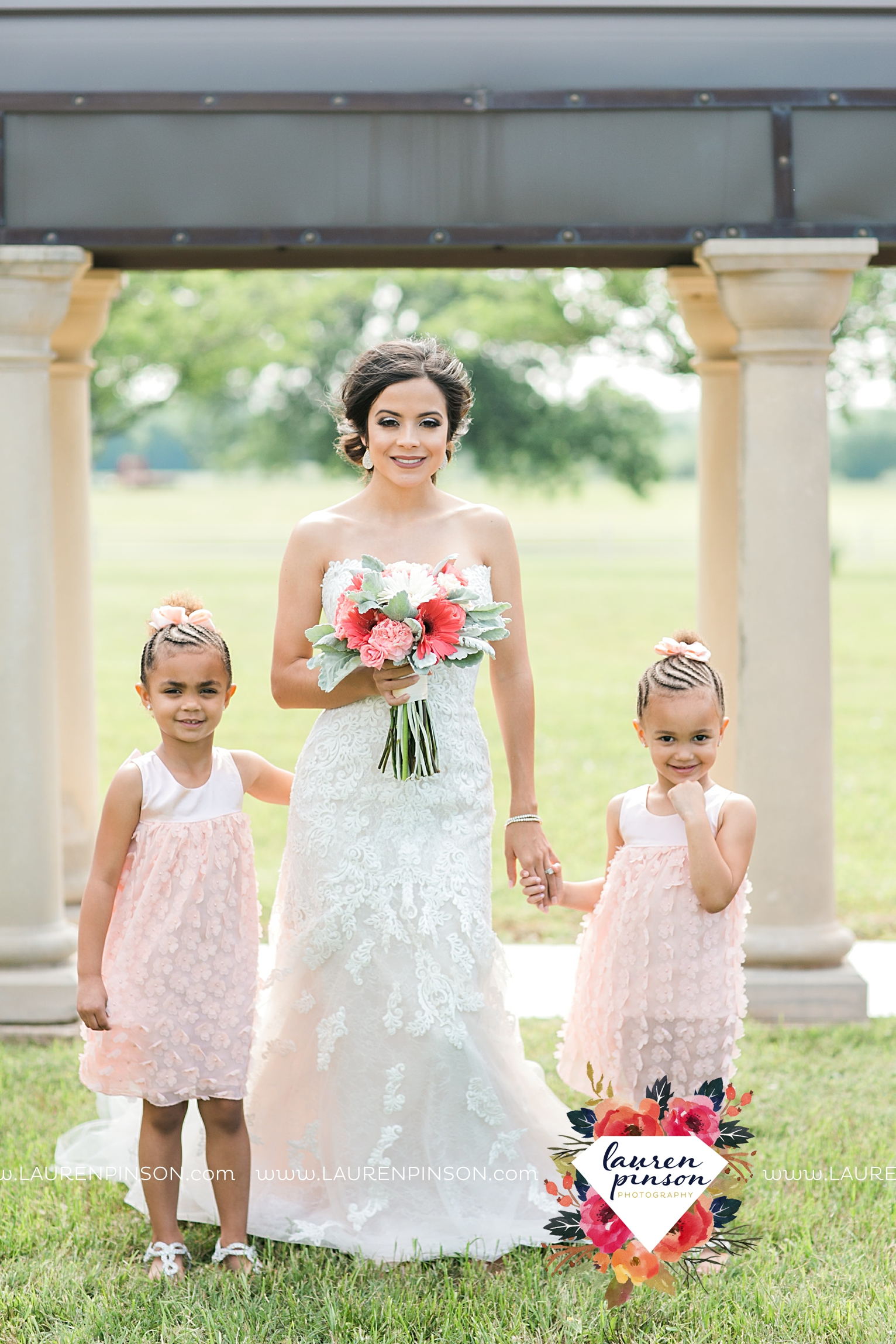 wichita-falls-wedding-nocona-comanche-rose-ranch-rustic-pink-gray-photography-00117.jpg