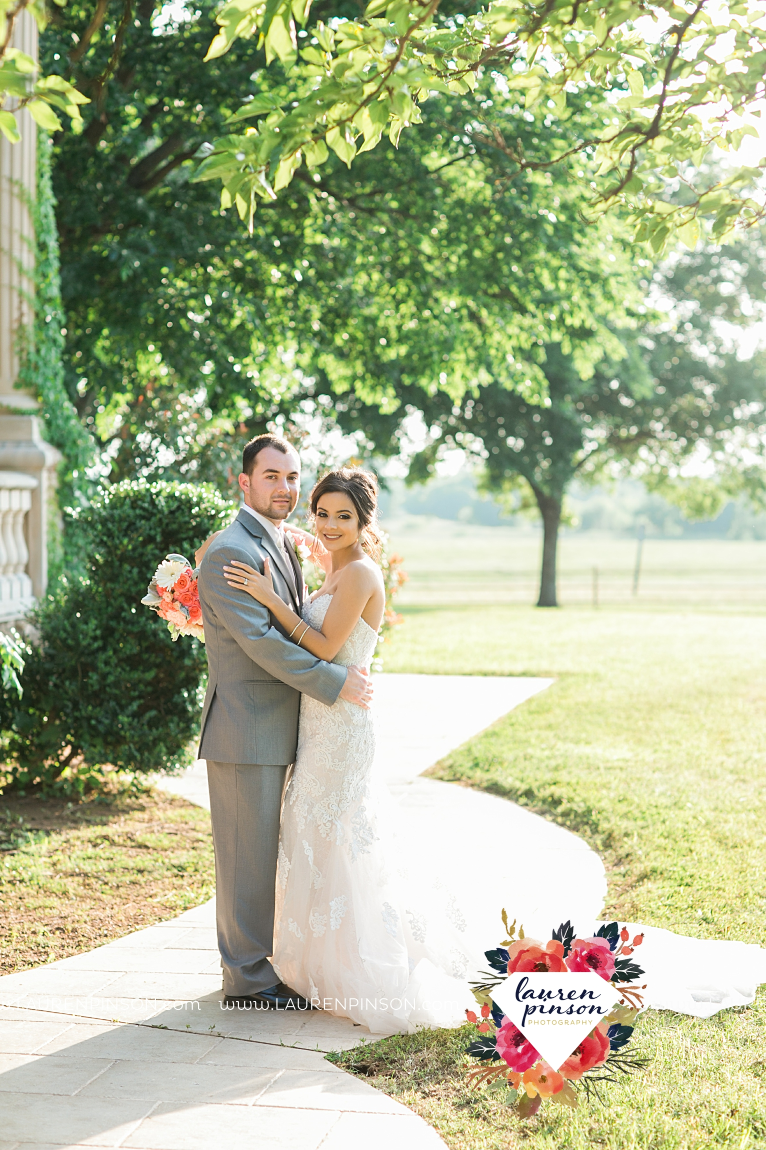 wichita-falls-wedding-nocona-comanche-rose-ranch-rustic-pink-gray-photography-00160.jpg