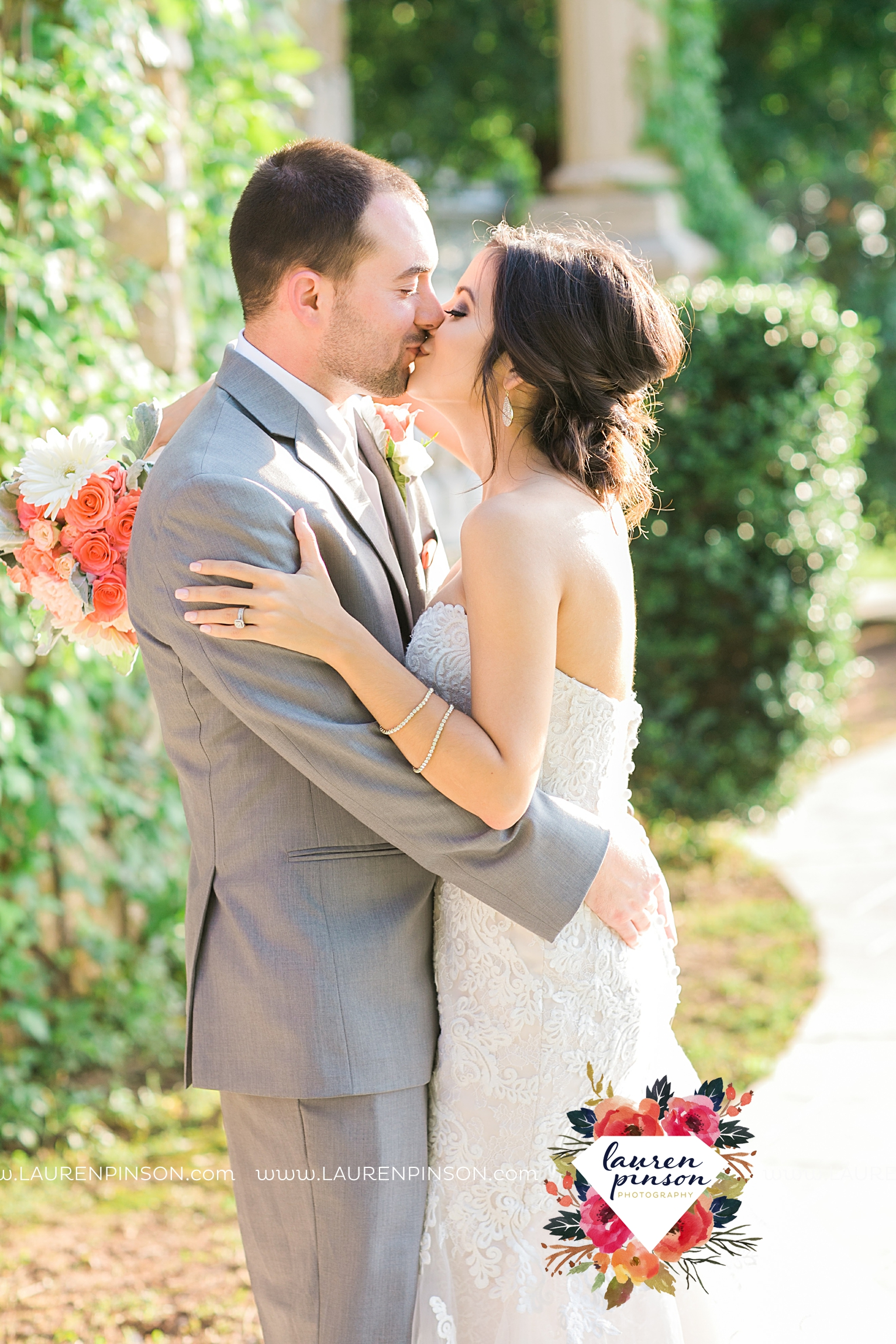 wichita-falls-wedding-nocona-comanche-rose-ranch-rustic-pink-gray-photography-00161.jpg