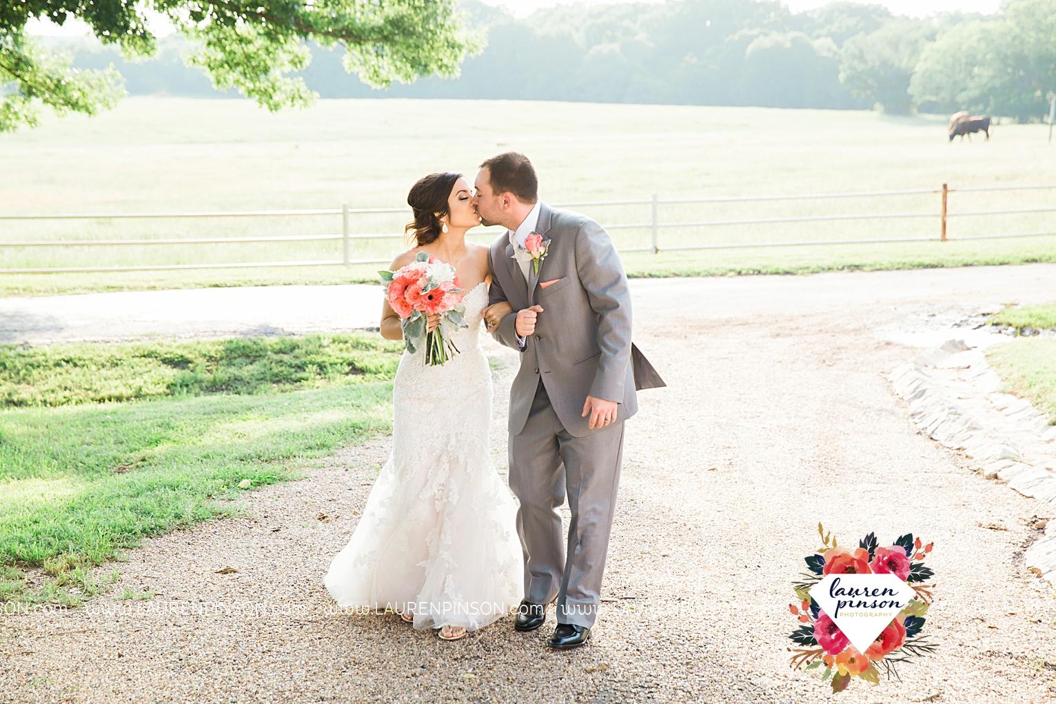 wichita-falls-wedding-nocona-comanche-rose-ranch-rustic-pink-gray-photography-00163.jpg
