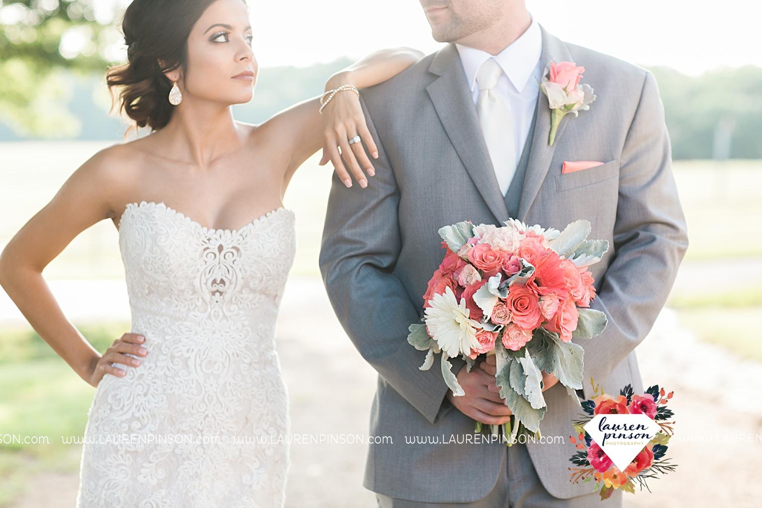 wichita-falls-wedding-nocona-comanche-rose-ranch-rustic-pink-gray-photography-00167.jpg