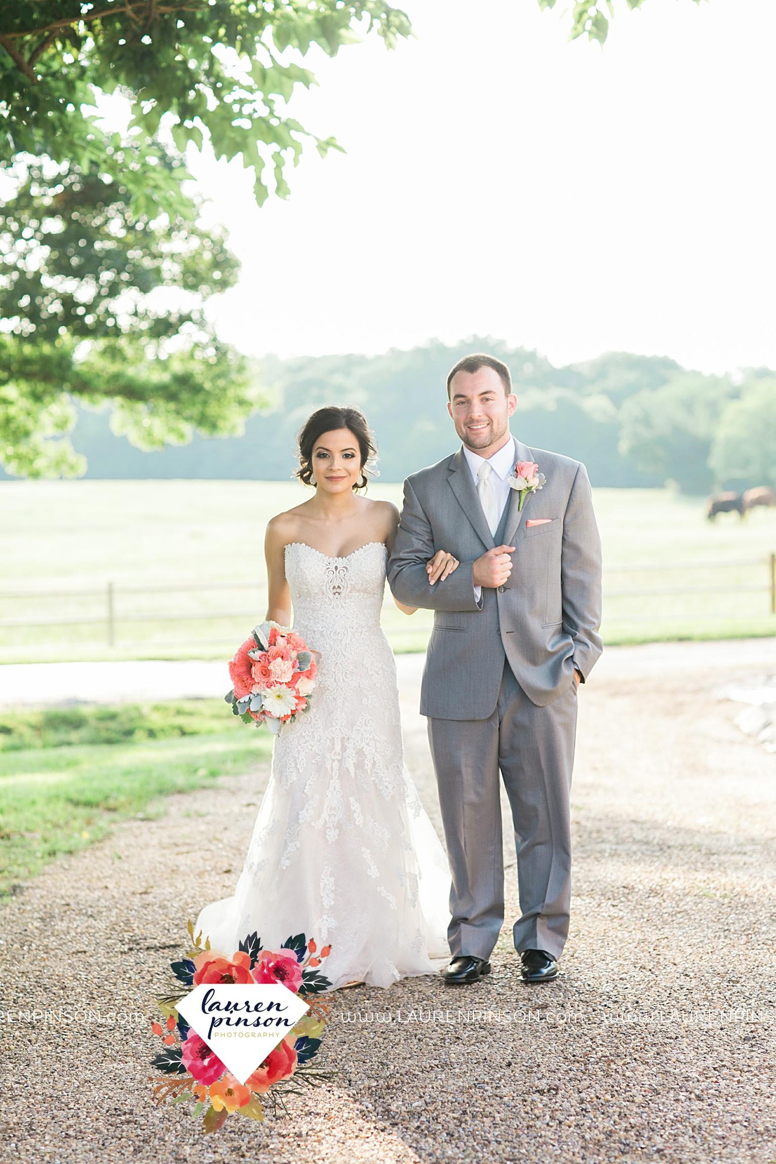 wichita-falls-wedding-nocona-comanche-rose-ranch-rustic-pink-gray-photography-00168.jpg