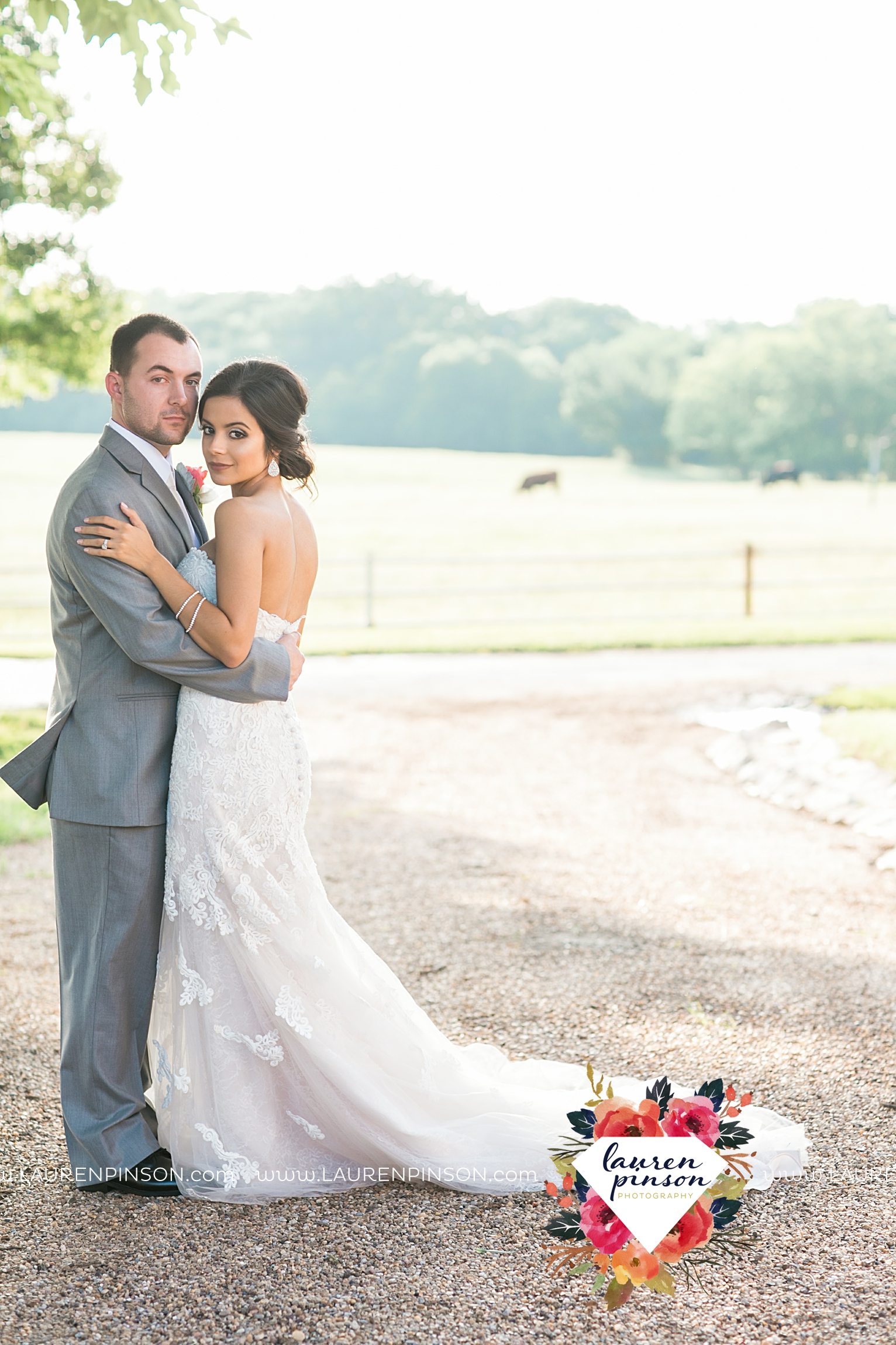 wichita-falls-wedding-nocona-comanche-rose-ranch-rustic-pink-gray-photography-00169.jpg