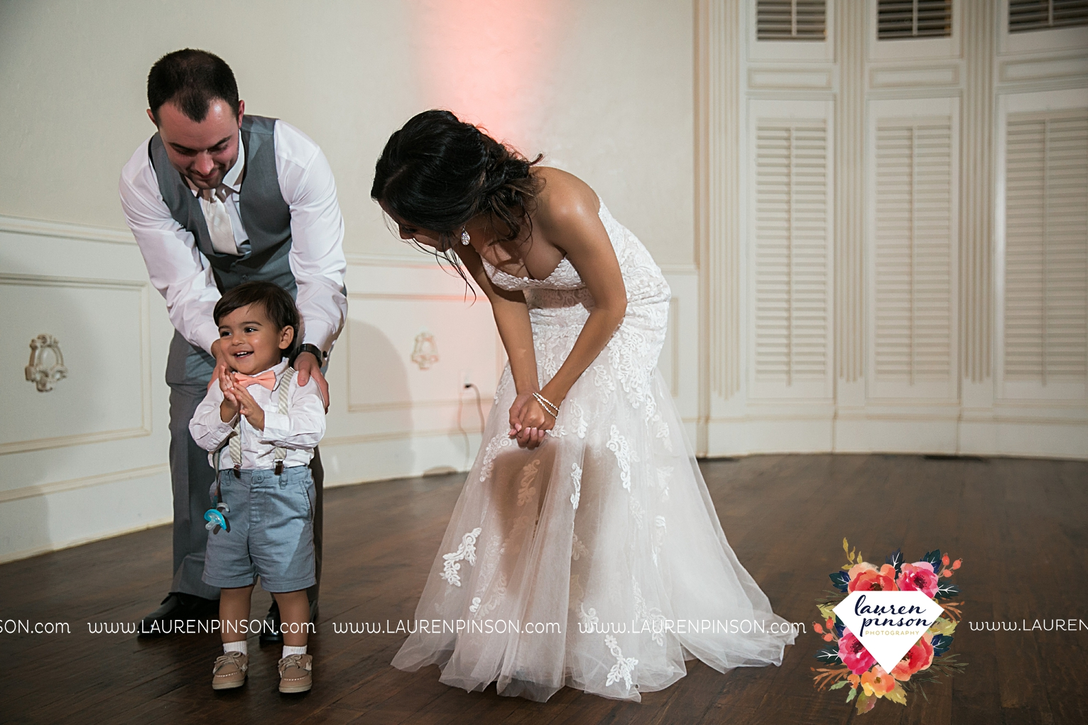 wichita-falls-wedding-nocona-comanche-rose-ranch-rustic-pink-gray-photography-00182.jpg