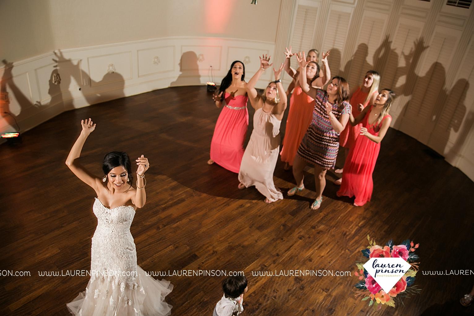 wichita-falls-wedding-nocona-comanche-rose-ranch-rustic-pink-gray-photography-00184.jpg