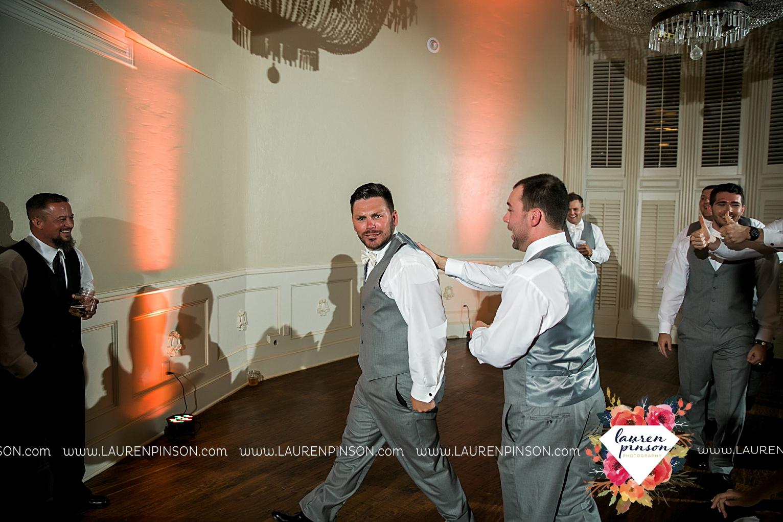 wichita-falls-wedding-nocona-comanche-rose-ranch-rustic-pink-gray-photography-00187.jpg