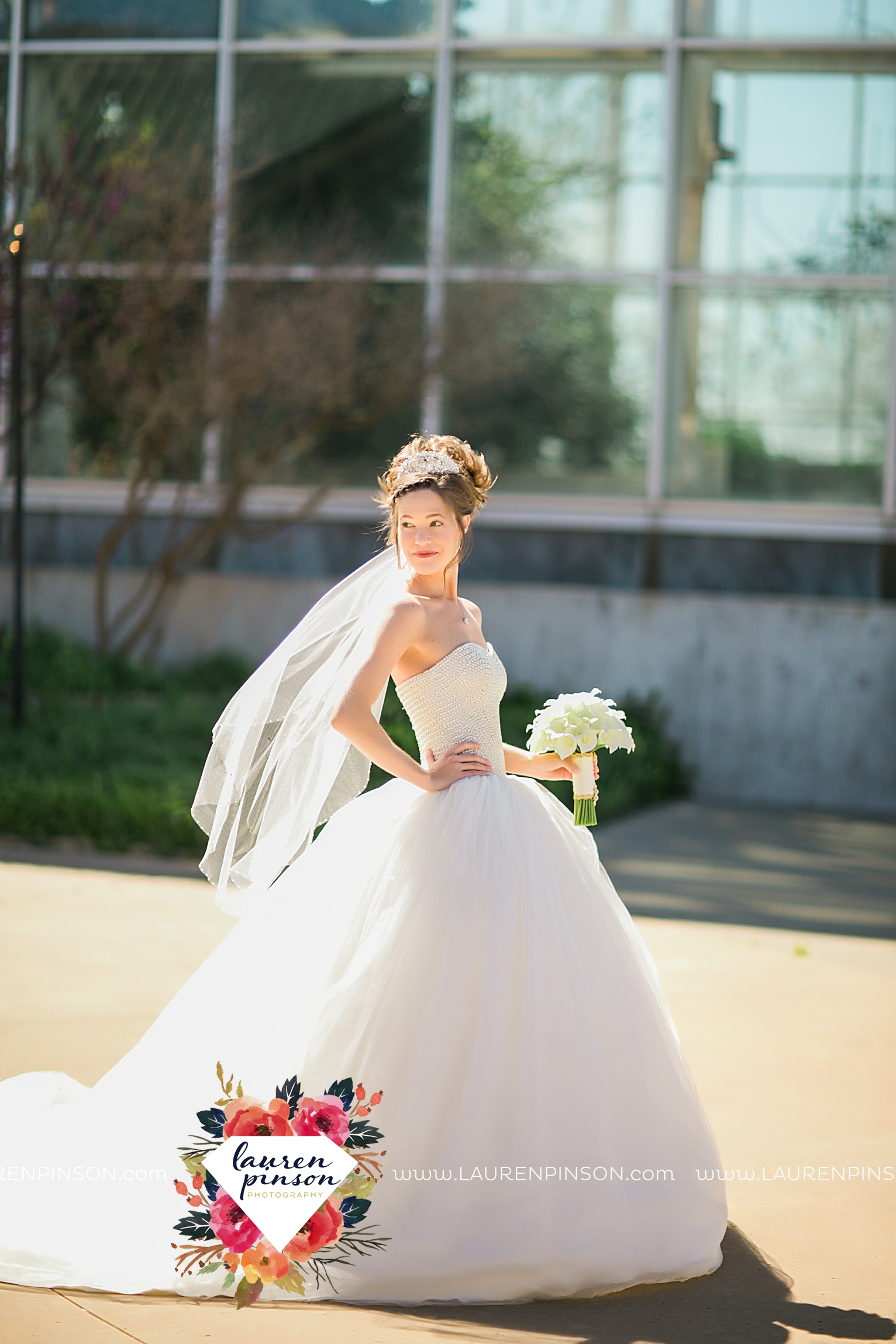 wichita-falls-texas-wedding-photography-bridal-session-wisteria-arbor-and-river-bend-nature-center-00011.jpg