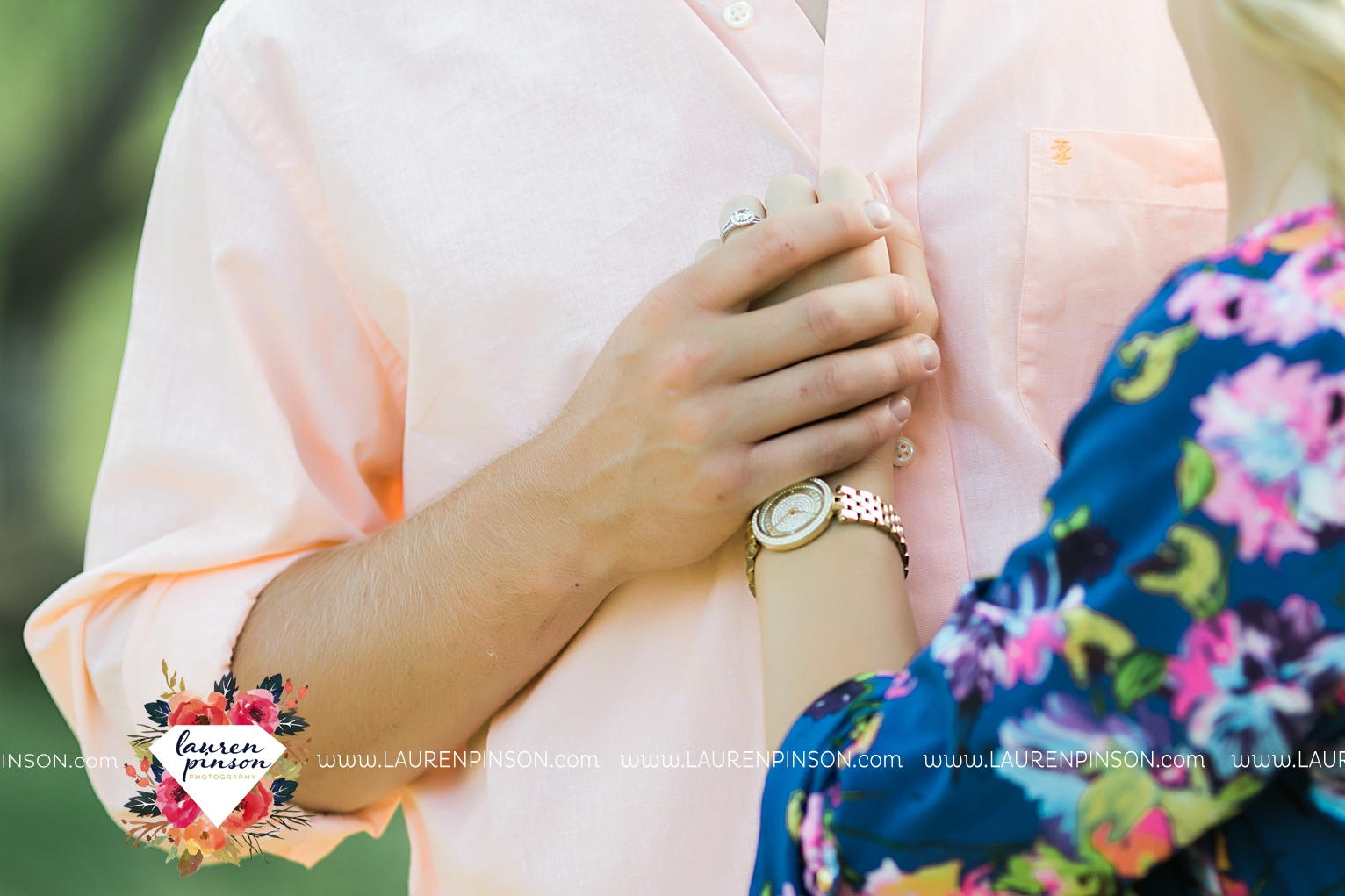 wichita-falls-texas-wedding-photographer-scotland-texas-engagement-session-country-barn-field-windthorst_2739.jpg