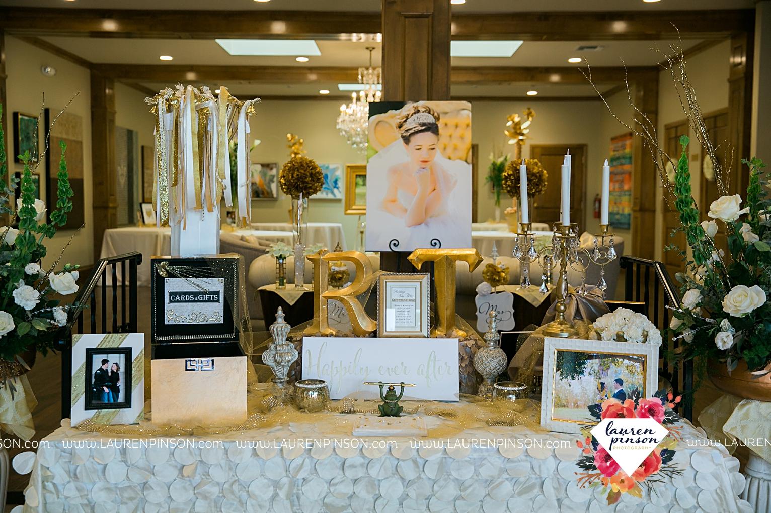 wichita-falls-texas-wedding-photographer-the-forum-by-the-kemp-mayfield-events-ulta-gold-glitter_2852.jpg