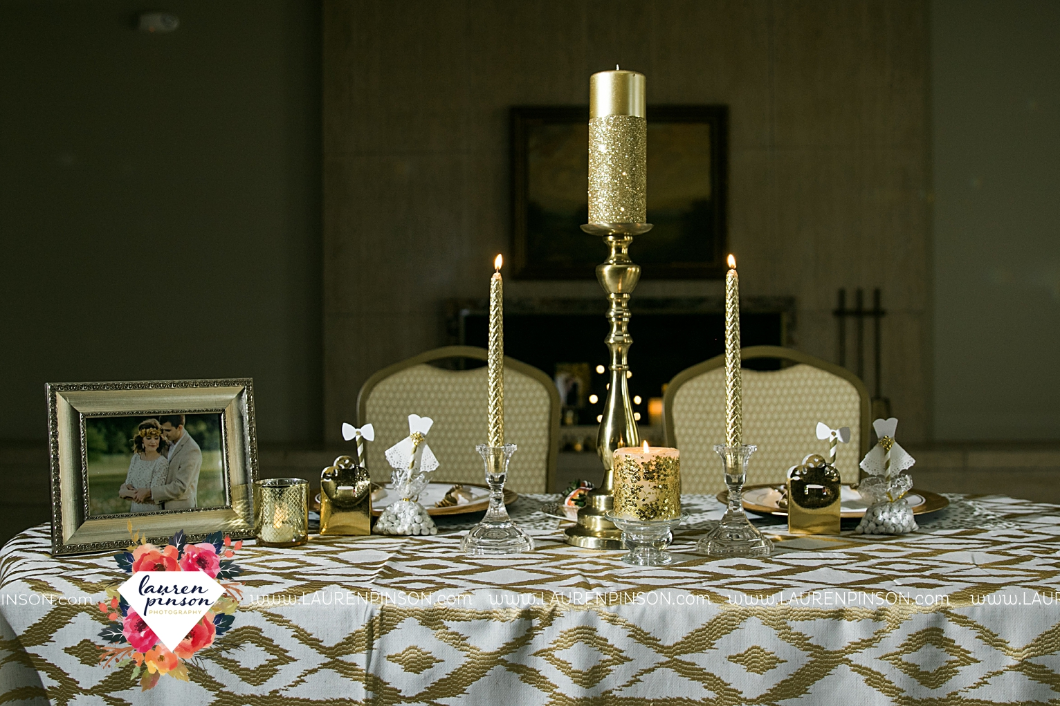 wichita-falls-texas-wedding-photographer-the-forum-by-the-kemp-mayfield-events-ulta-gold-glitter_2855.jpg
