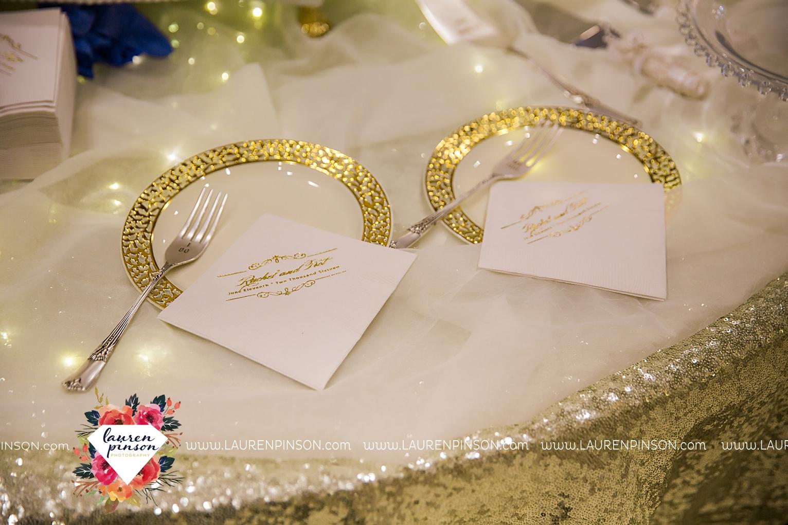 wichita-falls-texas-wedding-photographer-the-forum-by-the-kemp-mayfield-events-ulta-gold-glitter_2857.jpg