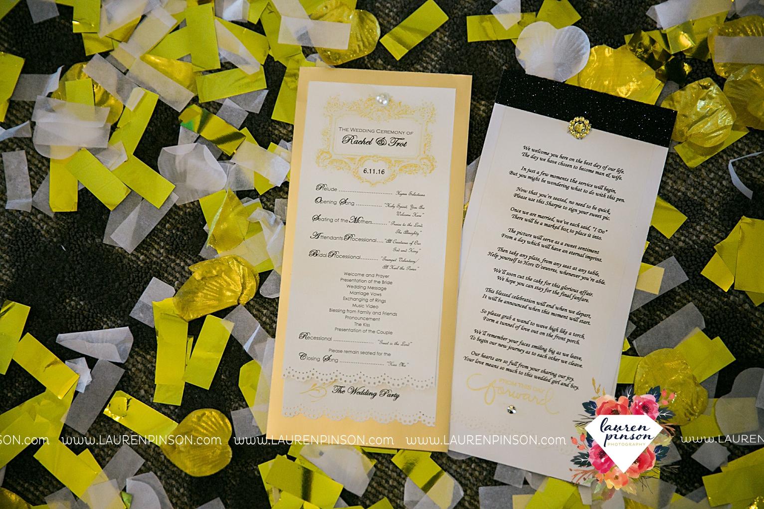 wichita-falls-texas-wedding-photographer-the-forum-by-the-kemp-mayfield-events-ulta-gold-glitter_2872.jpg