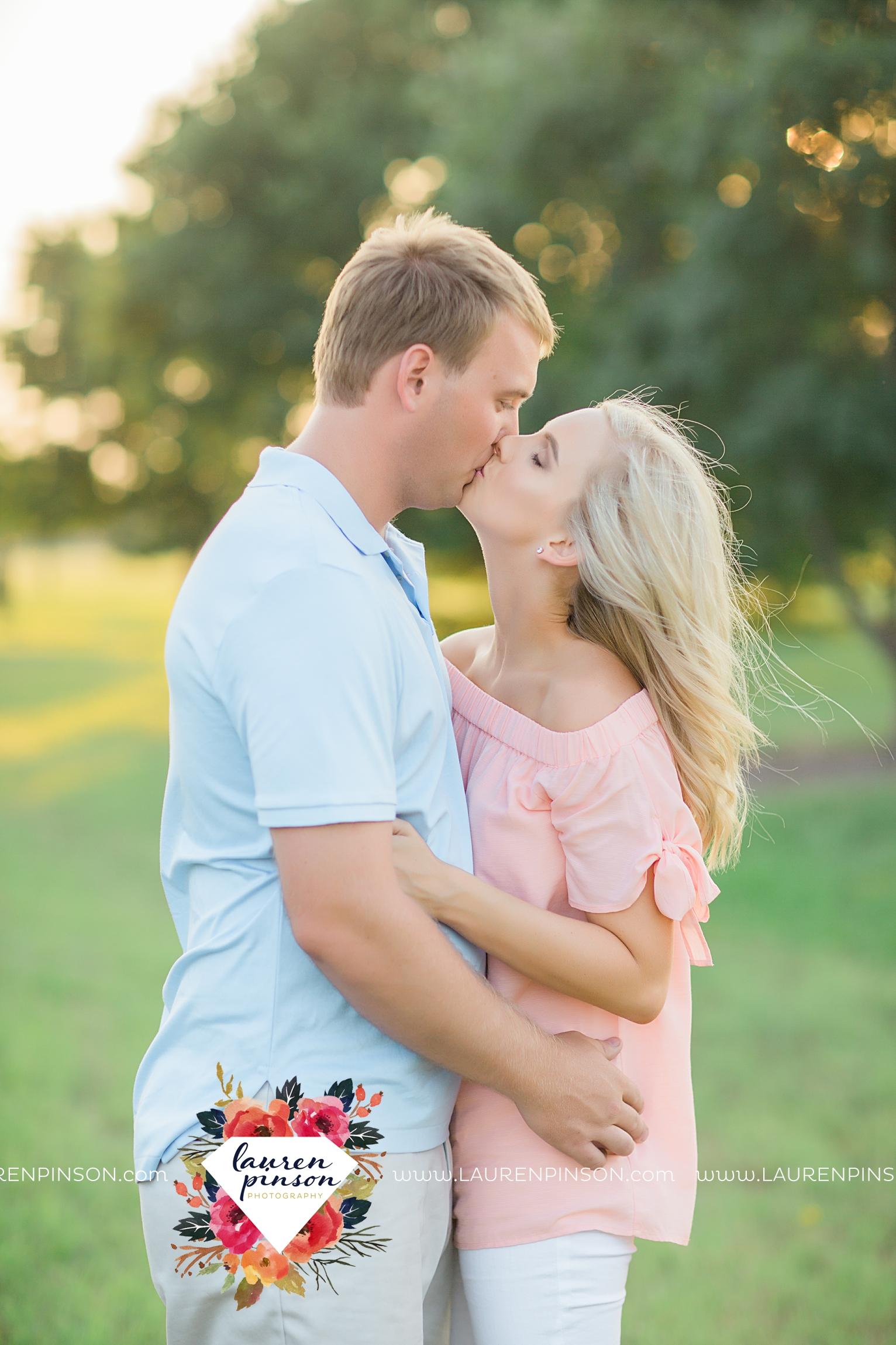 wichita-falls-texas-wedding-photographer-beachy-engagement-session-at-lake-wichita_2888.jpg