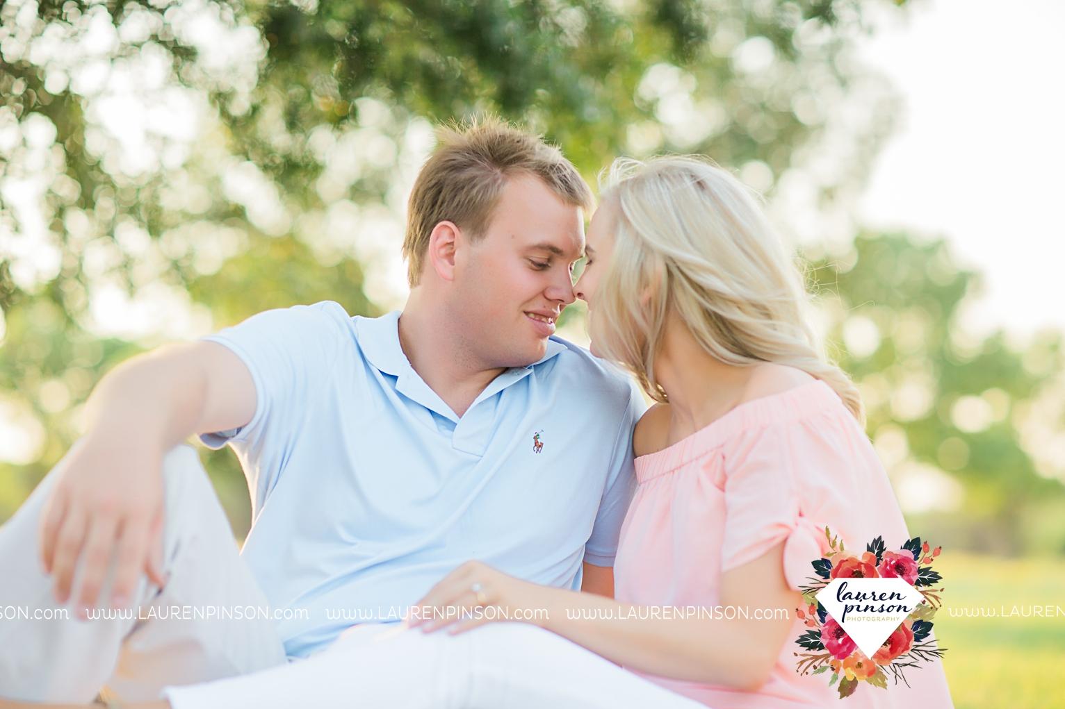 wichita-falls-texas-wedding-photographer-beachy-engagement-session-at-lake-wichita_2894.jpg