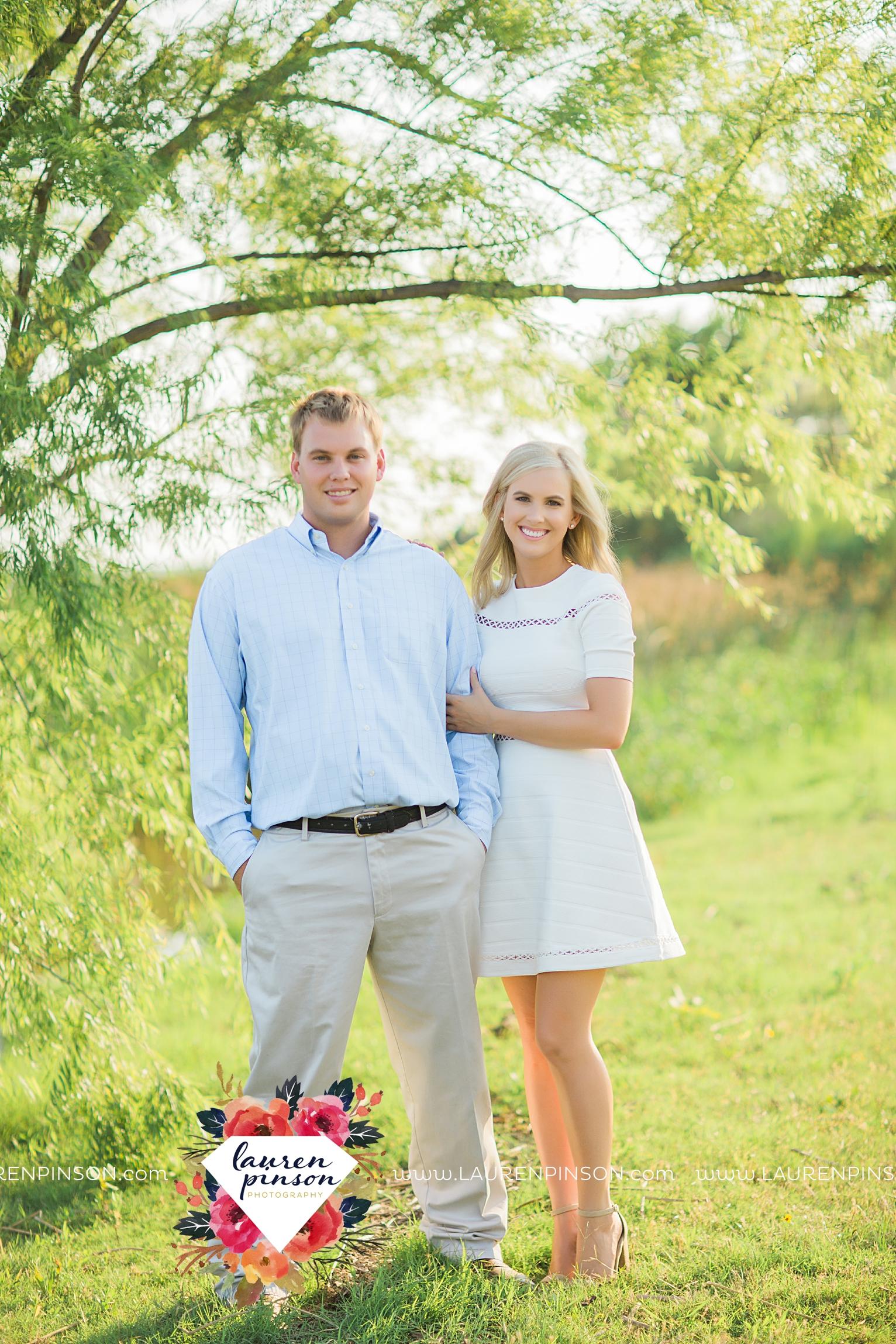 wichita-falls-texas-wedding-photographer-beachy-engagement-session-at-lake-wichita_2907.jpg