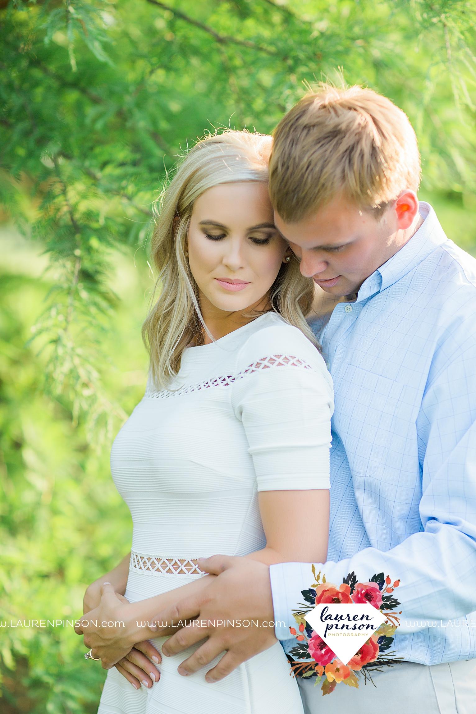 wichita-falls-texas-wedding-photographer-beachy-engagement-session-at-lake-wichita_2909.jpg