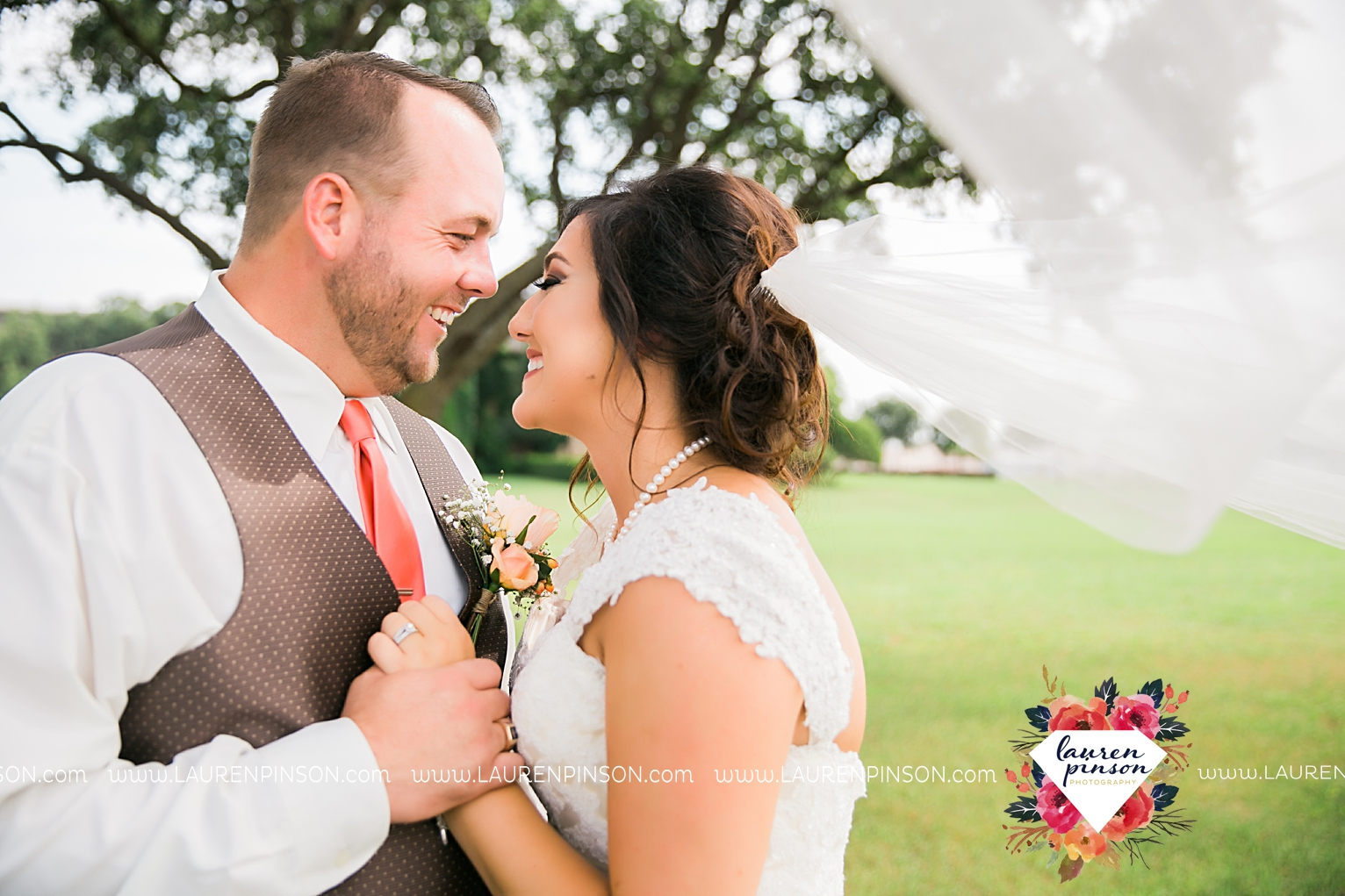 wichita-falls-texas-wedding-photographer-wellington-on-the-lake-with-mayfield-events_2948.jpg