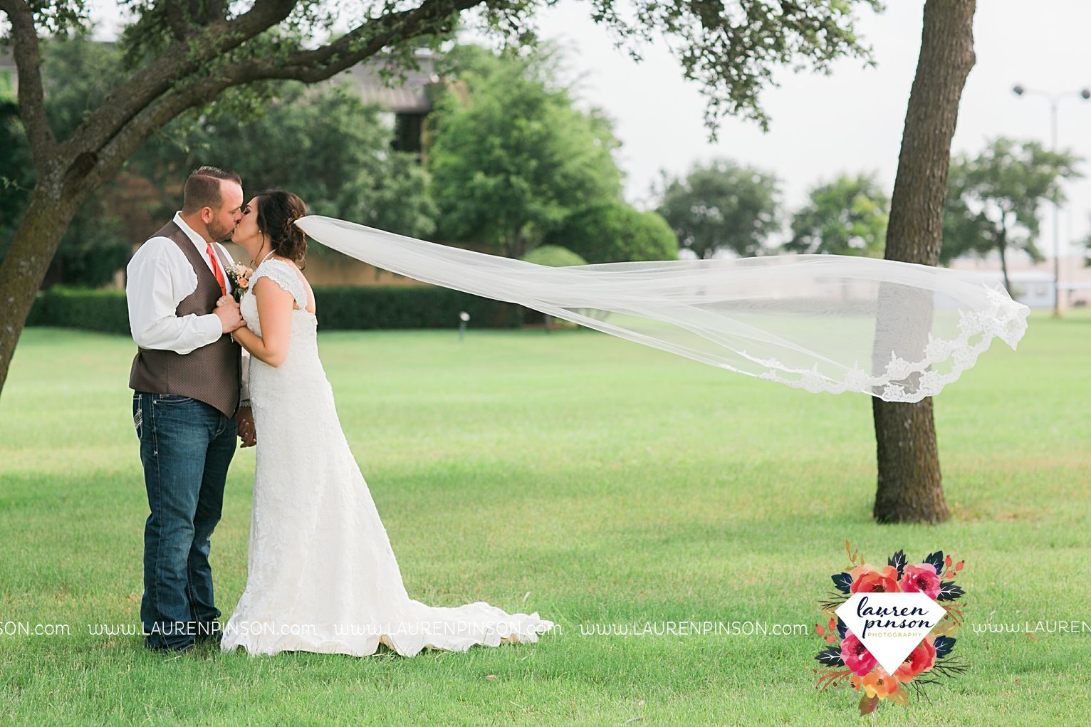 wichita-falls-texas-wedding-photographer-wellington-on-the-lake-with-mayfield-events_2949.jpg
