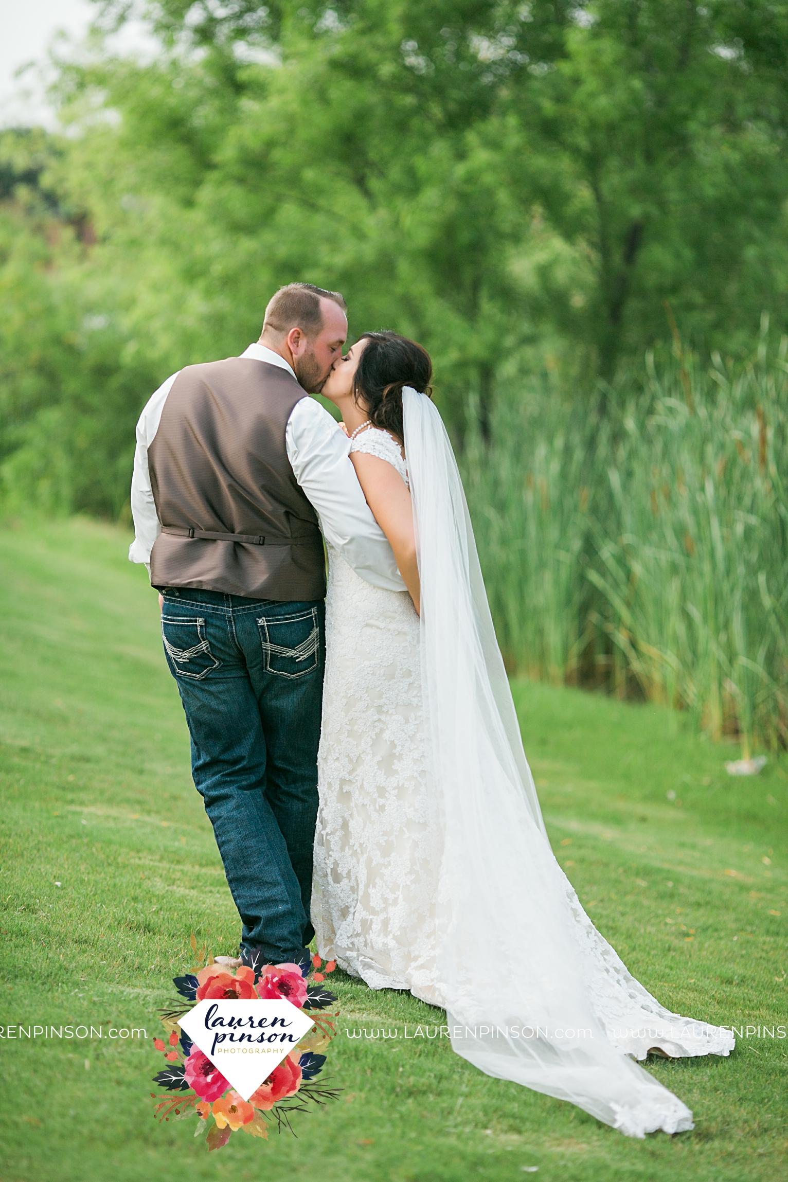 wichita-falls-texas-wedding-photographer-wellington-on-the-lake-with-mayfield-events_2976.jpg