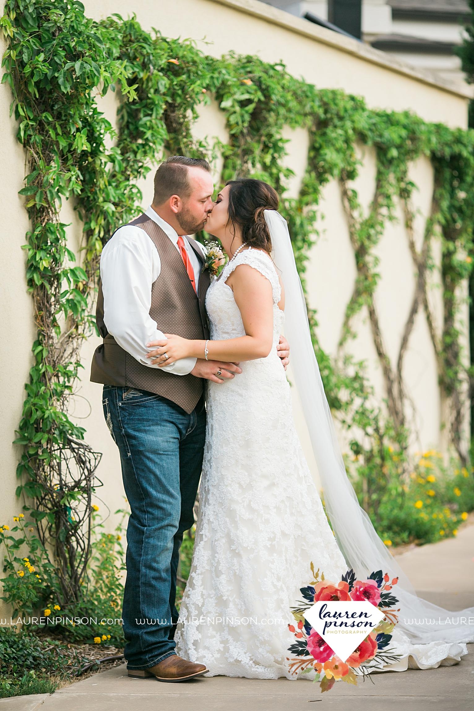 wichita-falls-texas-wedding-photographer-wellington-on-the-lake-with-mayfield-events_2982.jpg