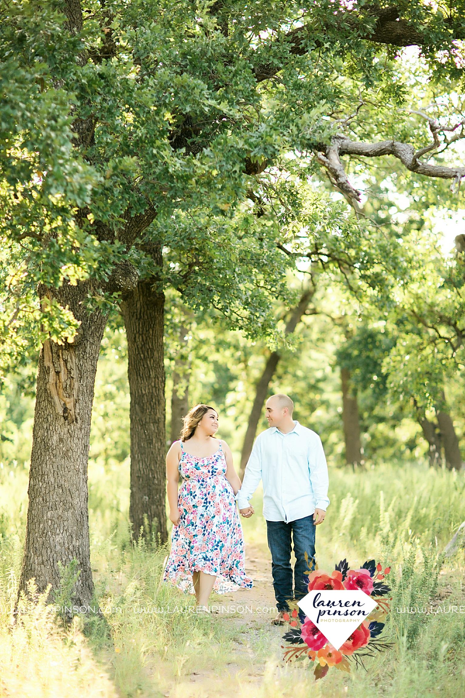 wichita-falls-texas-wedding-photography-engagement-session-army-fort-sill-lawton-oklahoma-wichita-mountains-newlyweds-00006.jpg