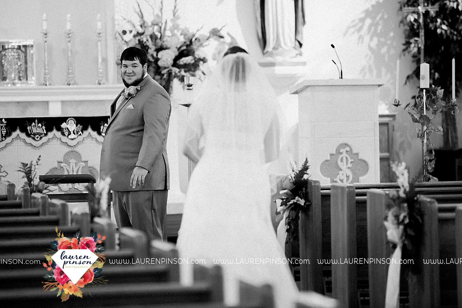 wichita-falls-texas-wedding-photography-seymour-st-marys-catholic-church-wedding-texas-photographer-00016.jpg