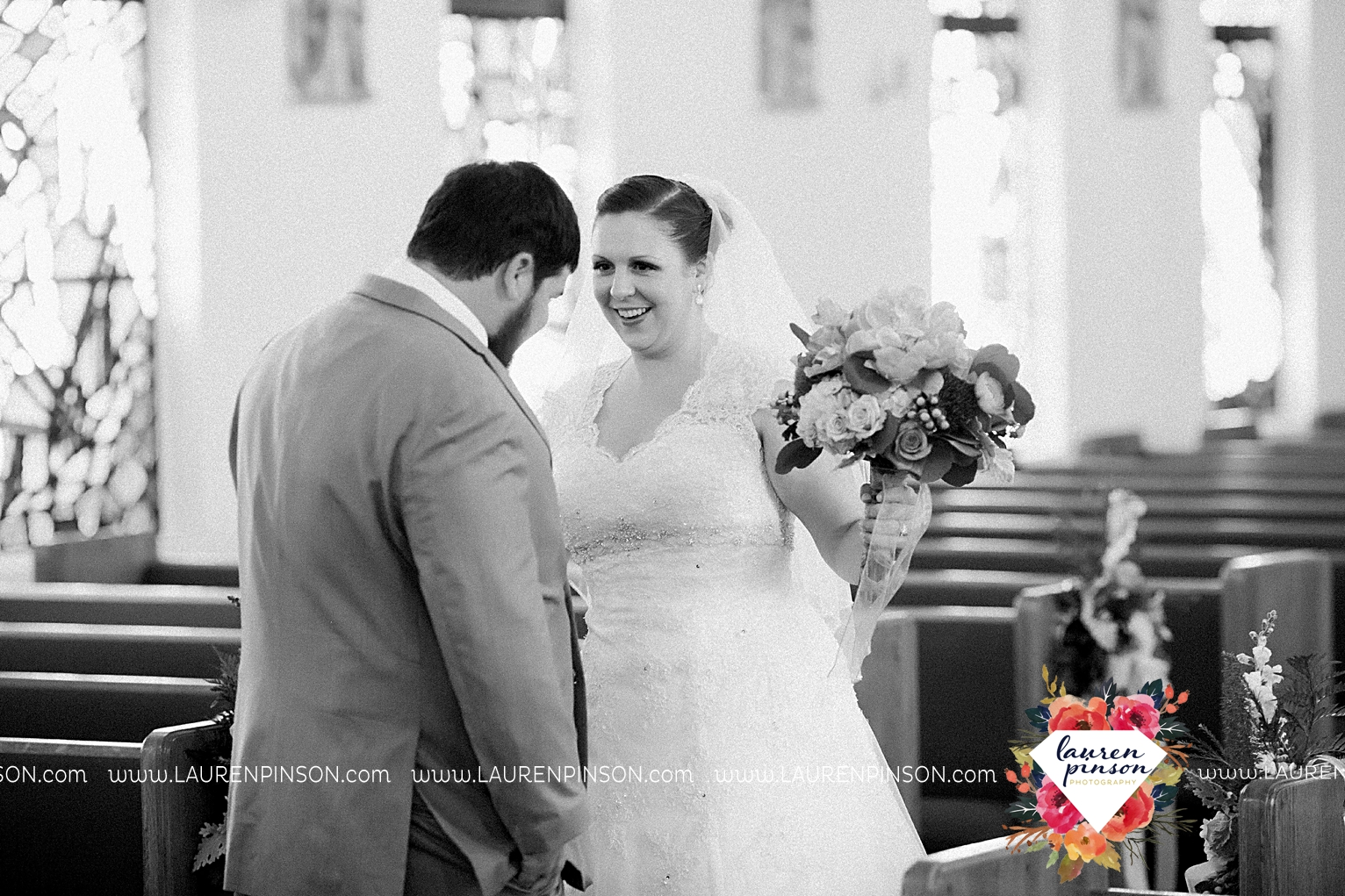 wichita-falls-texas-wedding-photography-seymour-st-marys-catholic-church-wedding-texas-photographer-00018.jpg