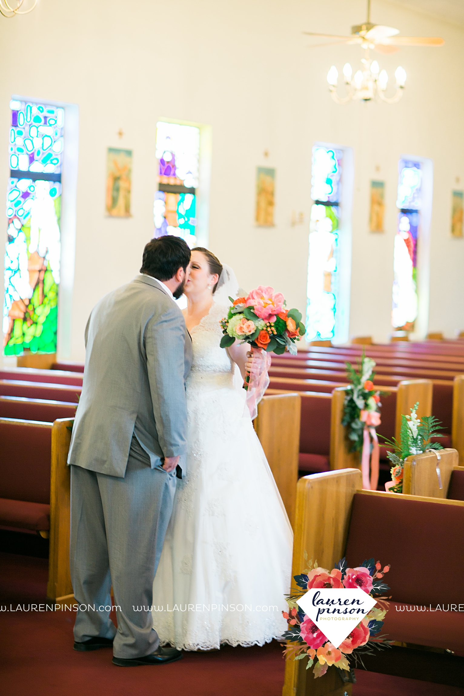 wichita-falls-texas-wedding-photography-seymour-st-marys-catholic-church-wedding-texas-photographer-00017.jpg