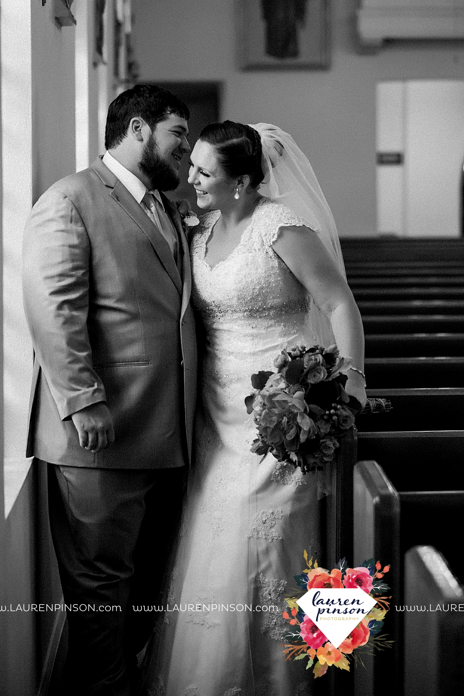 wichita-falls-texas-wedding-photography-seymour-st-marys-catholic-church-wedding-texas-photographer-00024.jpg