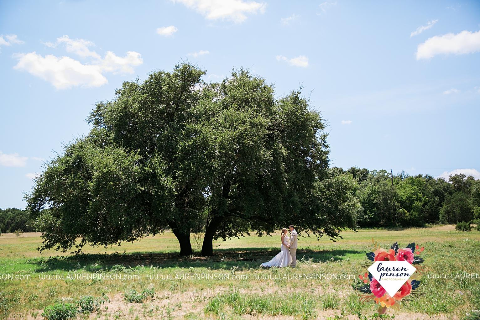 weatherford-texas-hollow-hill-farm-event-wedding-mineral-wells-dfw-wedding-photographer-wichita-falls-photography_3140.jpg